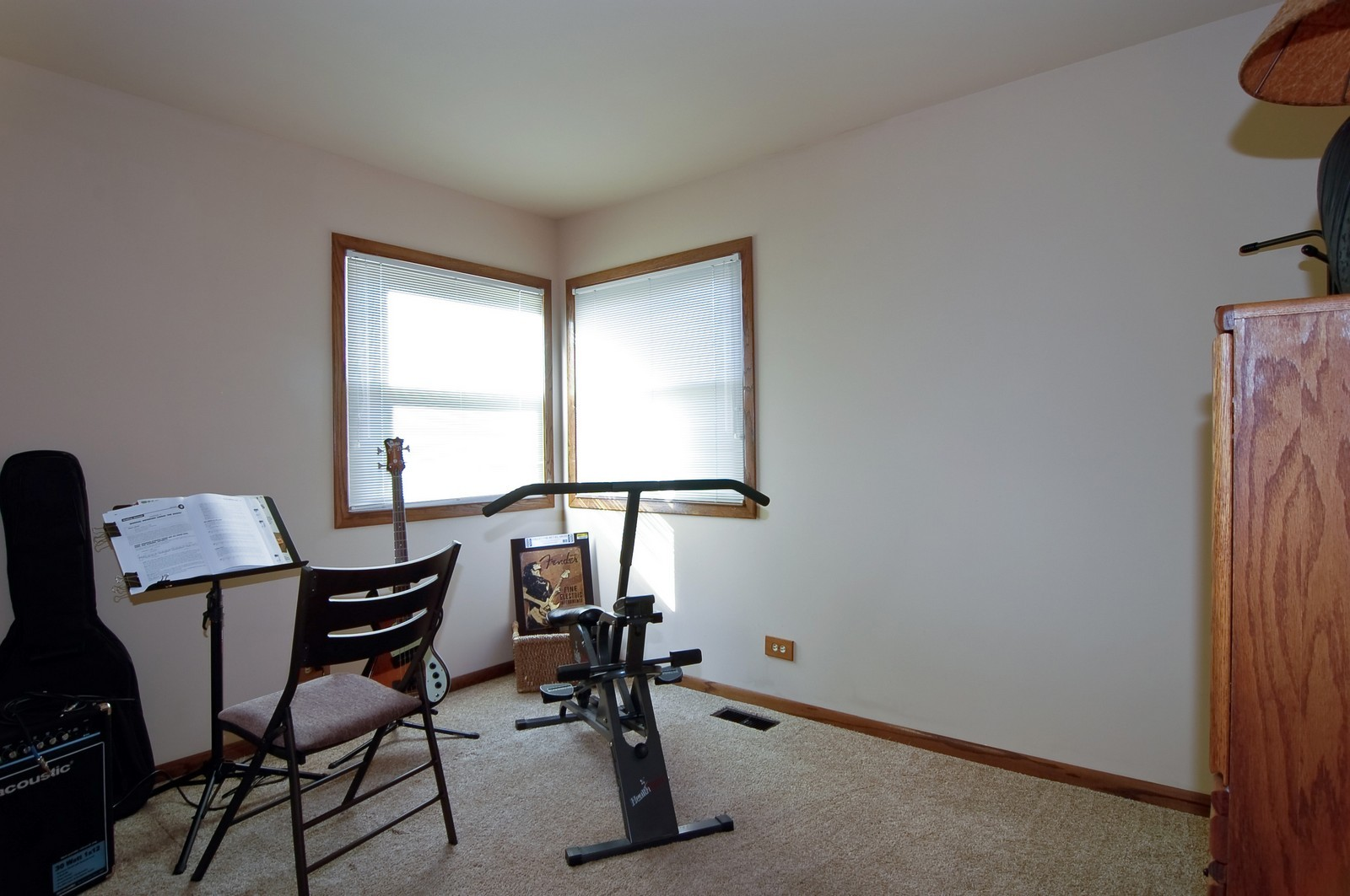 Real Estate Photography - 1616 Stratton Pond Ln, Schaumburg, IL, 60193 - Bedroom