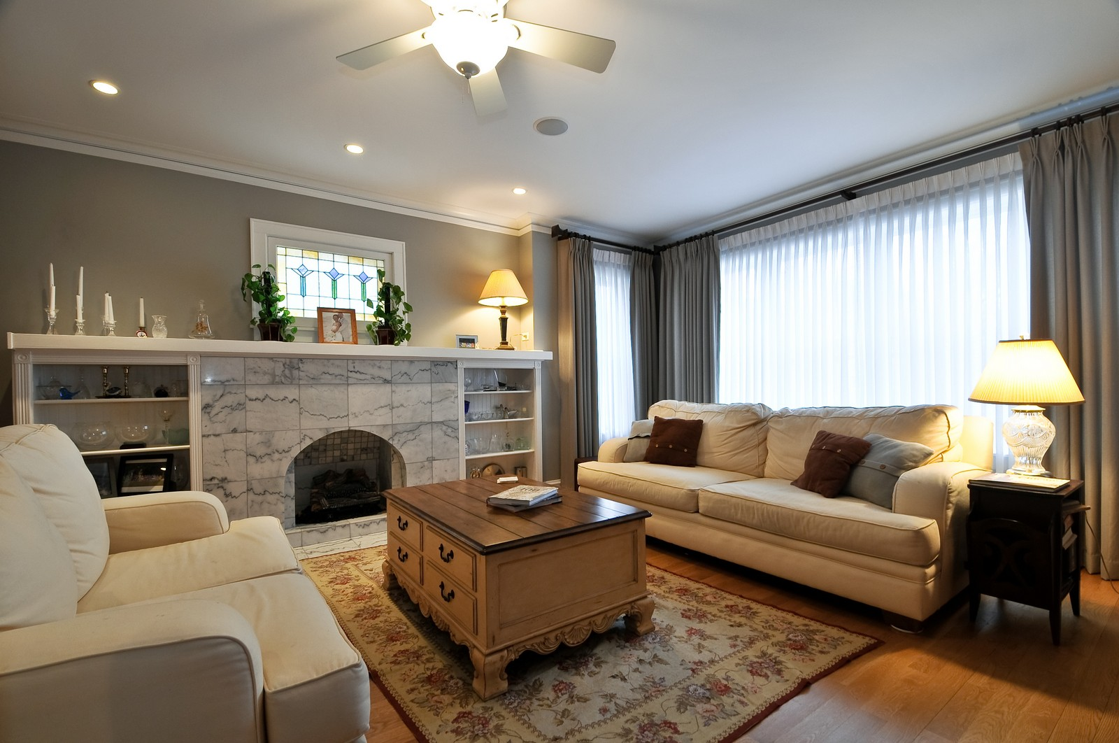 Real Estate Photography - 3734 n. richmond, chicago, IL, 60618 - Living Room