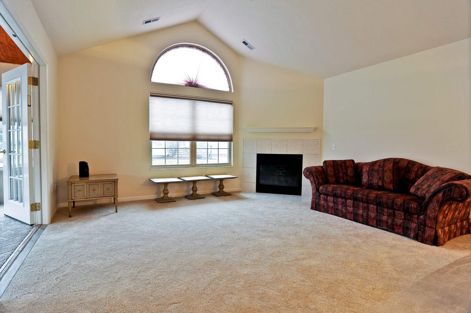 Real Estate Photography - 18205 Murphy Circle, Tinley Park, IL, 60487 - Living Room