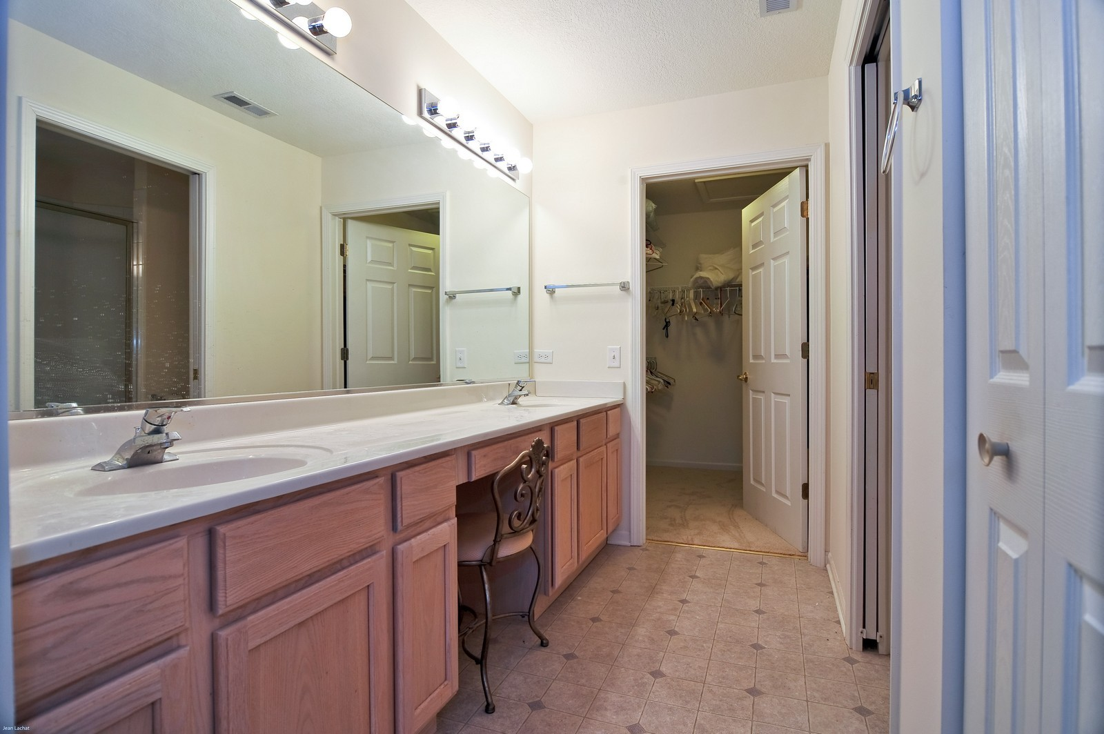 Real Estate Photography - 18205 Murphy Circle, Tinley Park, IL, 60487 - Master Bathroom