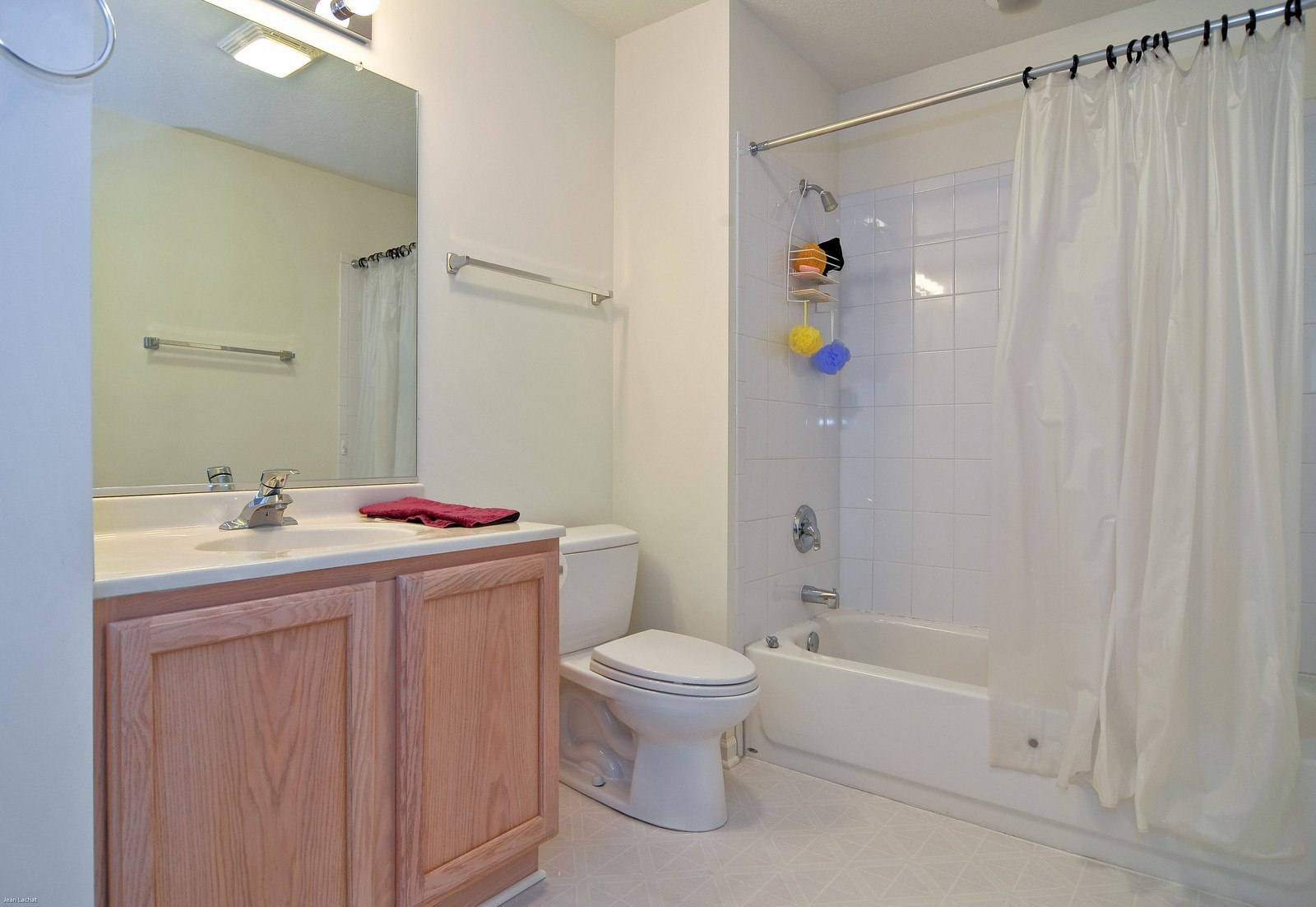 Real Estate Photography - 18205 Murphy Circle, Tinley Park, IL, 60487 - Bathroom