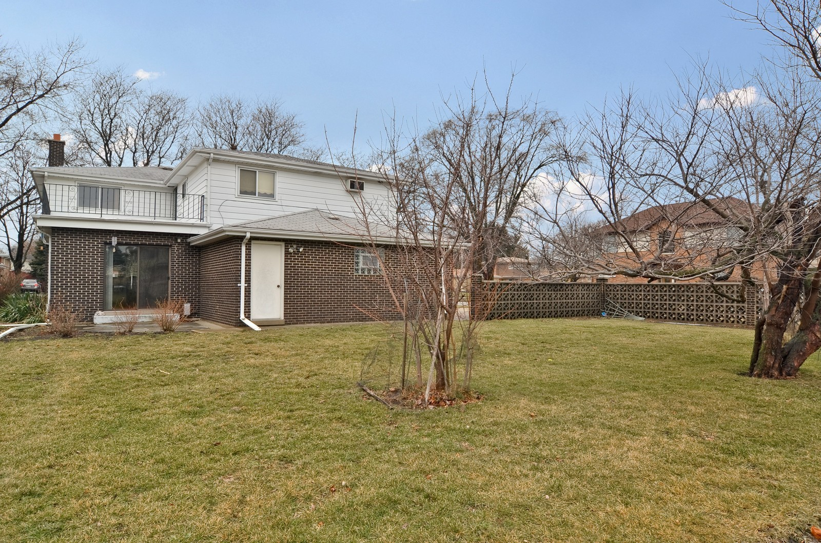 Real Estate Photography - 9045 Parkside, Morton Grove, IL, 60053 - Back Yard