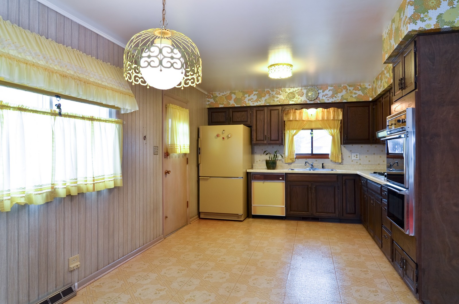 Real Estate Photography - 9045 Parkside, Morton Grove, IL, 60053 - Kitchen