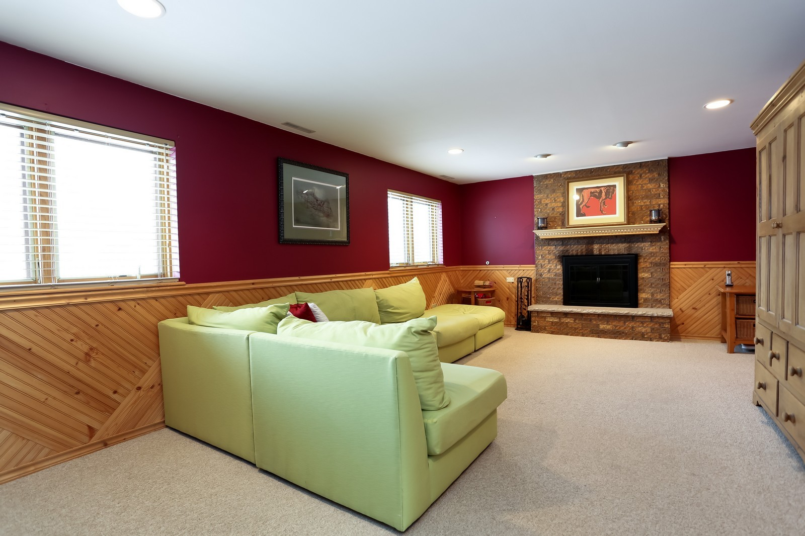 Real Estate Photography - 8441 Horseshoe Drive, Tinley Park, IL, 60477 - Family Room