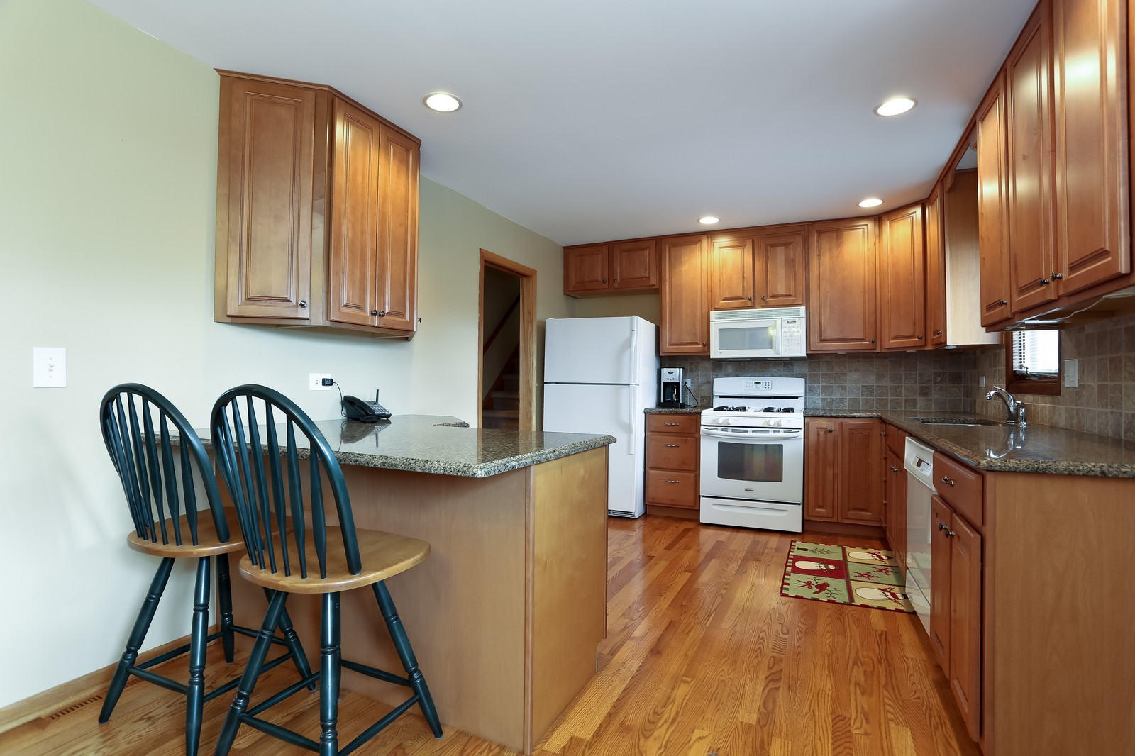 Real Estate Photography - 8441 Horseshoe Drive, Tinley Park, IL, 60477 - Kitchen