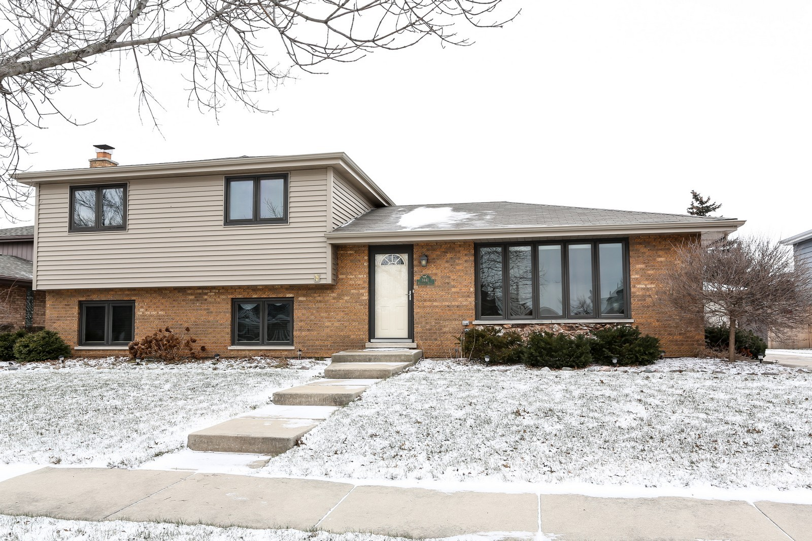 Real Estate Photography - 8441 Horseshoe Drive, Tinley Park, IL, 60477 - Front View