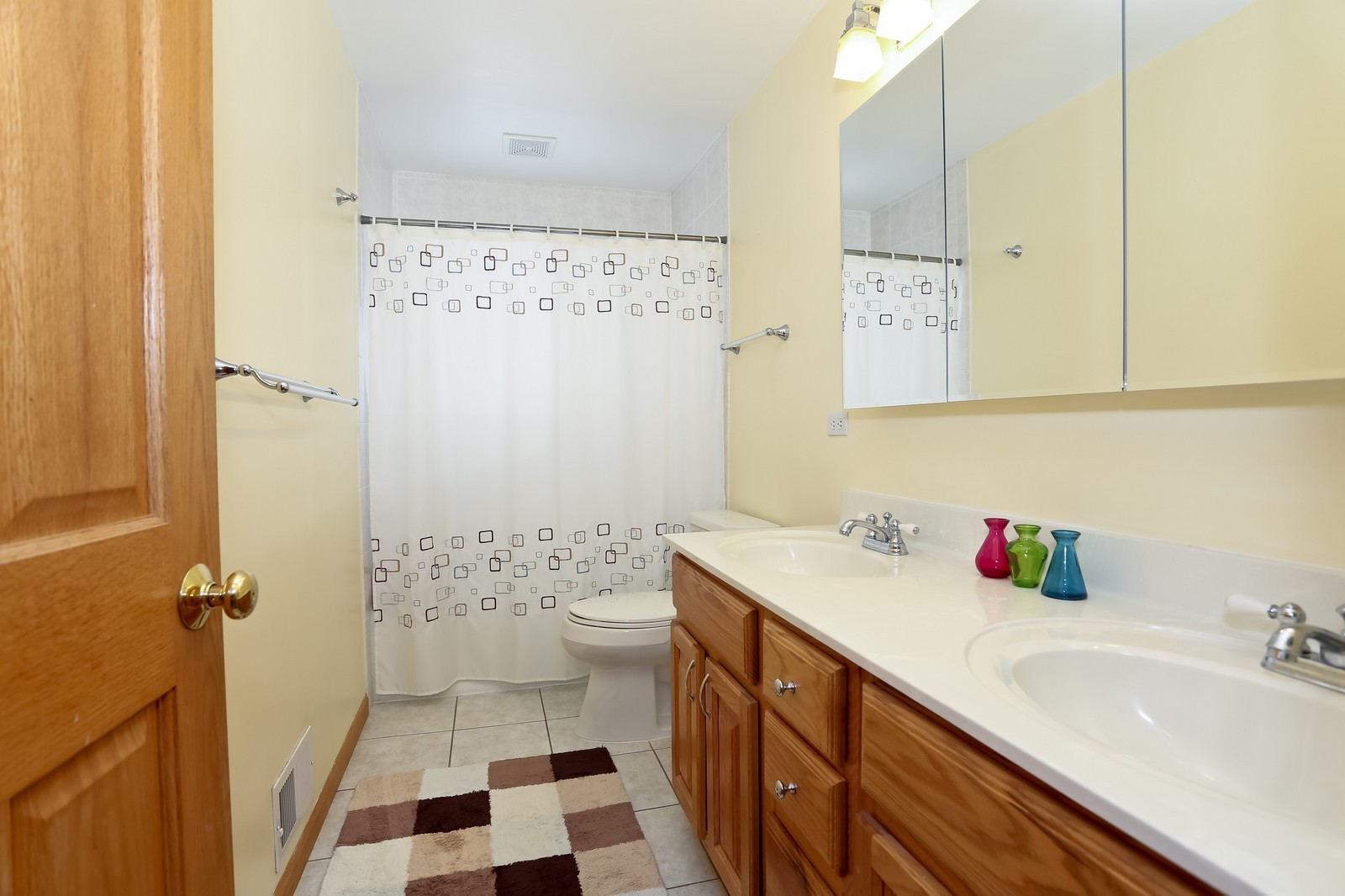 Real Estate Photography - 8441 Horseshoe Drive, Tinley Park, IL, 60477 - Bathroom