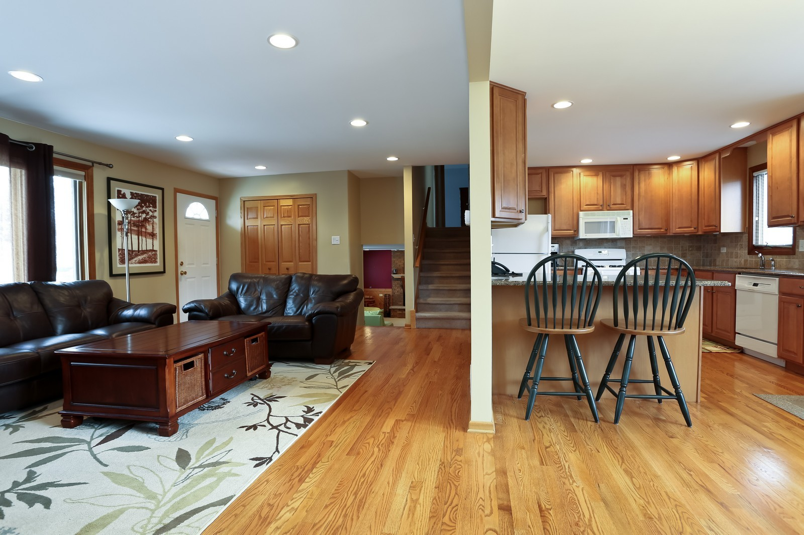 Real Estate Photography - 8441 Horseshoe Drive, Tinley Park, IL, 60477 - Kitchen / Living Room