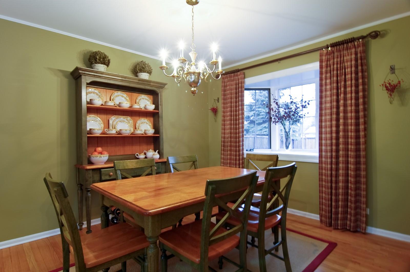 Real Estate Photography - 966 N Topanga, Palatine, IL, 60074 - Dining Room