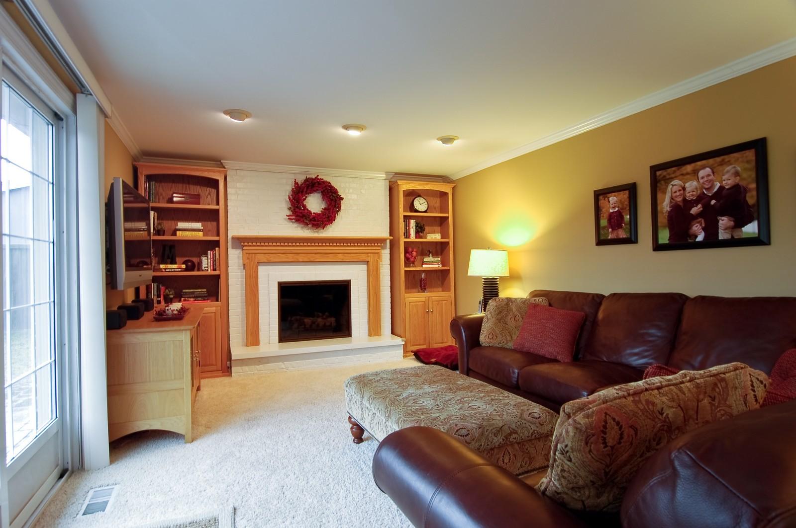 Real Estate Photography - 966 N Topanga, Palatine, IL, 60074 - Family Room