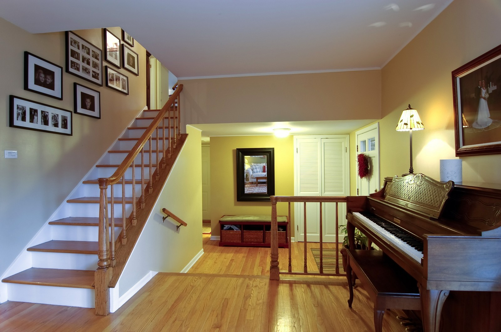 Real Estate Photography - 966 N Topanga, Palatine, IL, 60074 - Foyer