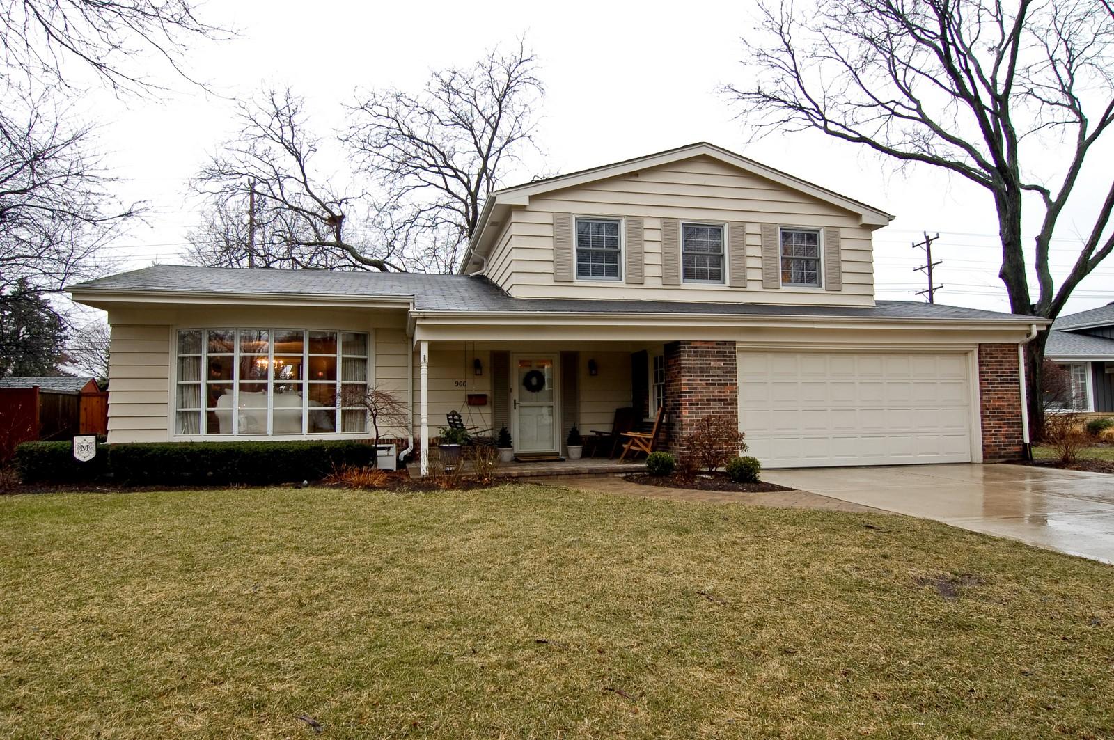 Real Estate Photography - 966 N Topanga, Palatine, IL, 60074 - Front View