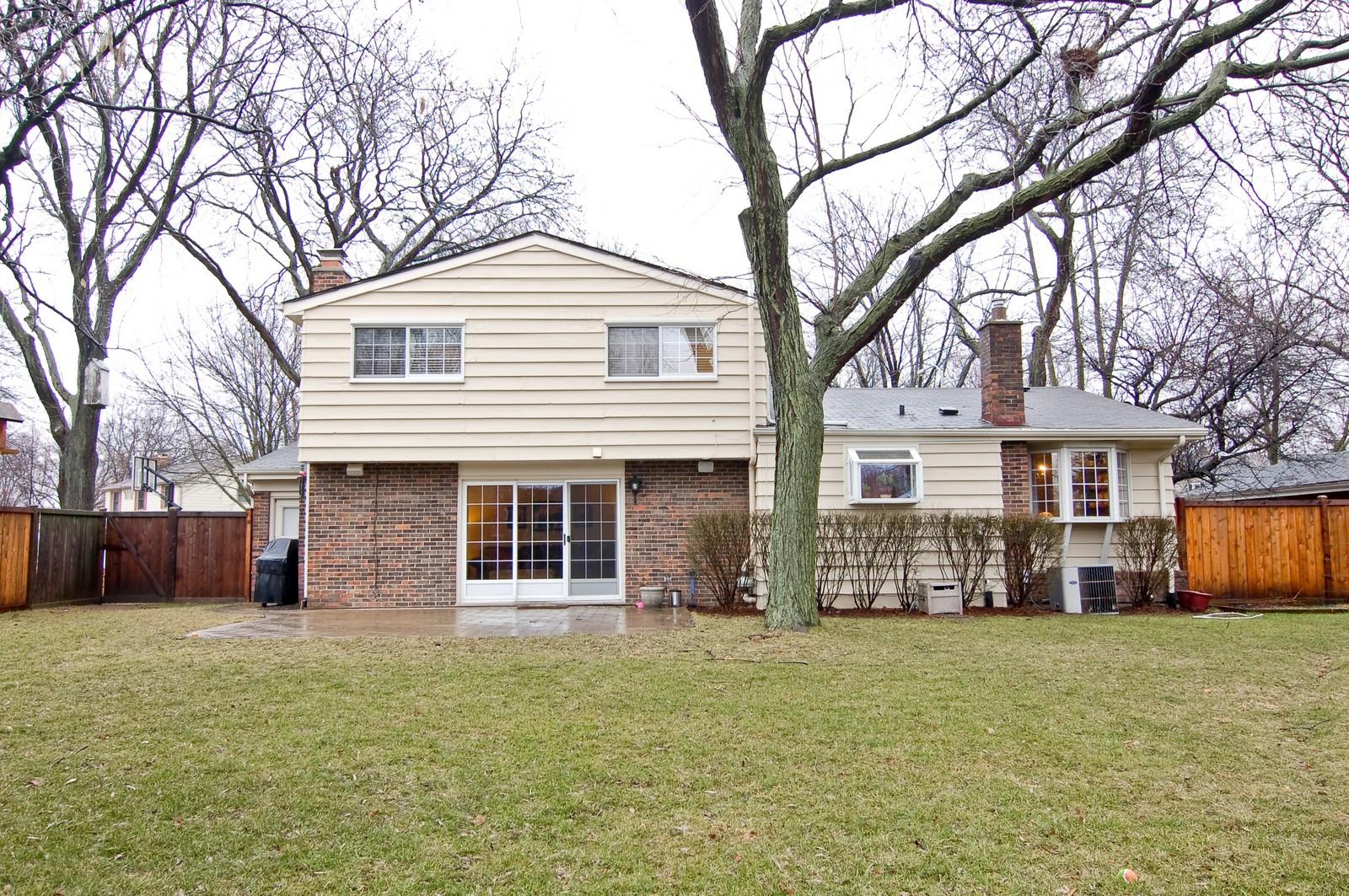 Real Estate Photography - 966 N Topanga, Palatine, IL, 60074 - Rear View