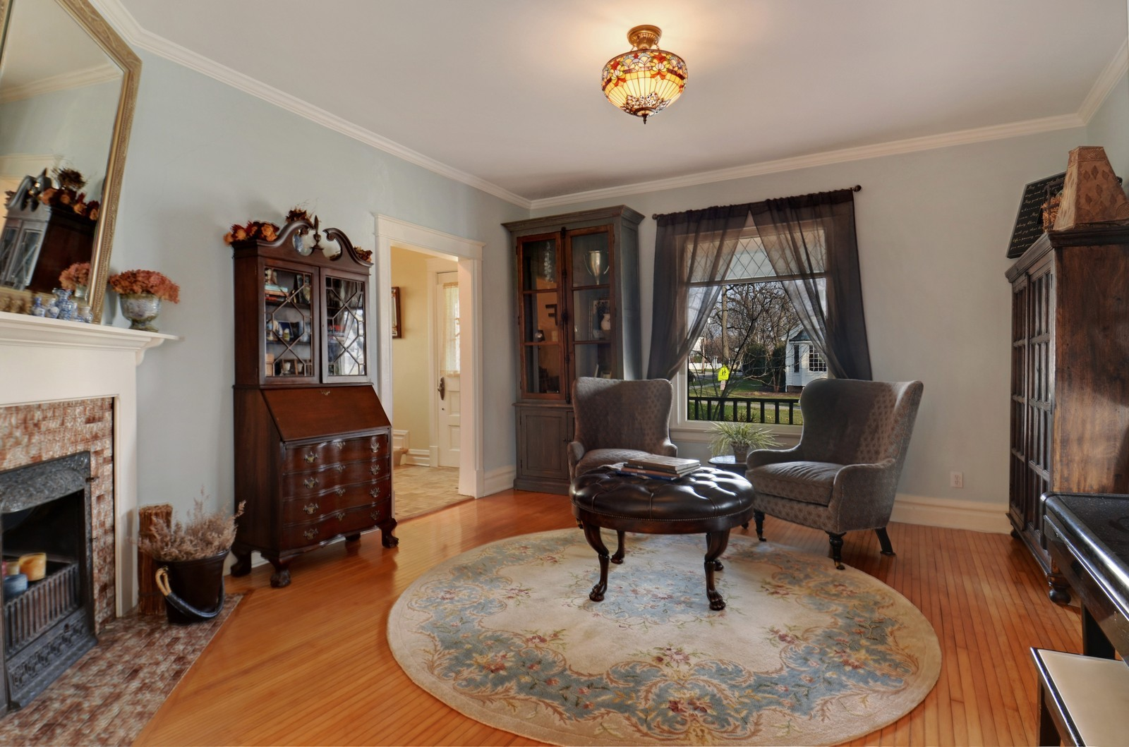 Real Estate Photography - 406 S Grant St, Hinsdale, IL, 60521 - Living Room