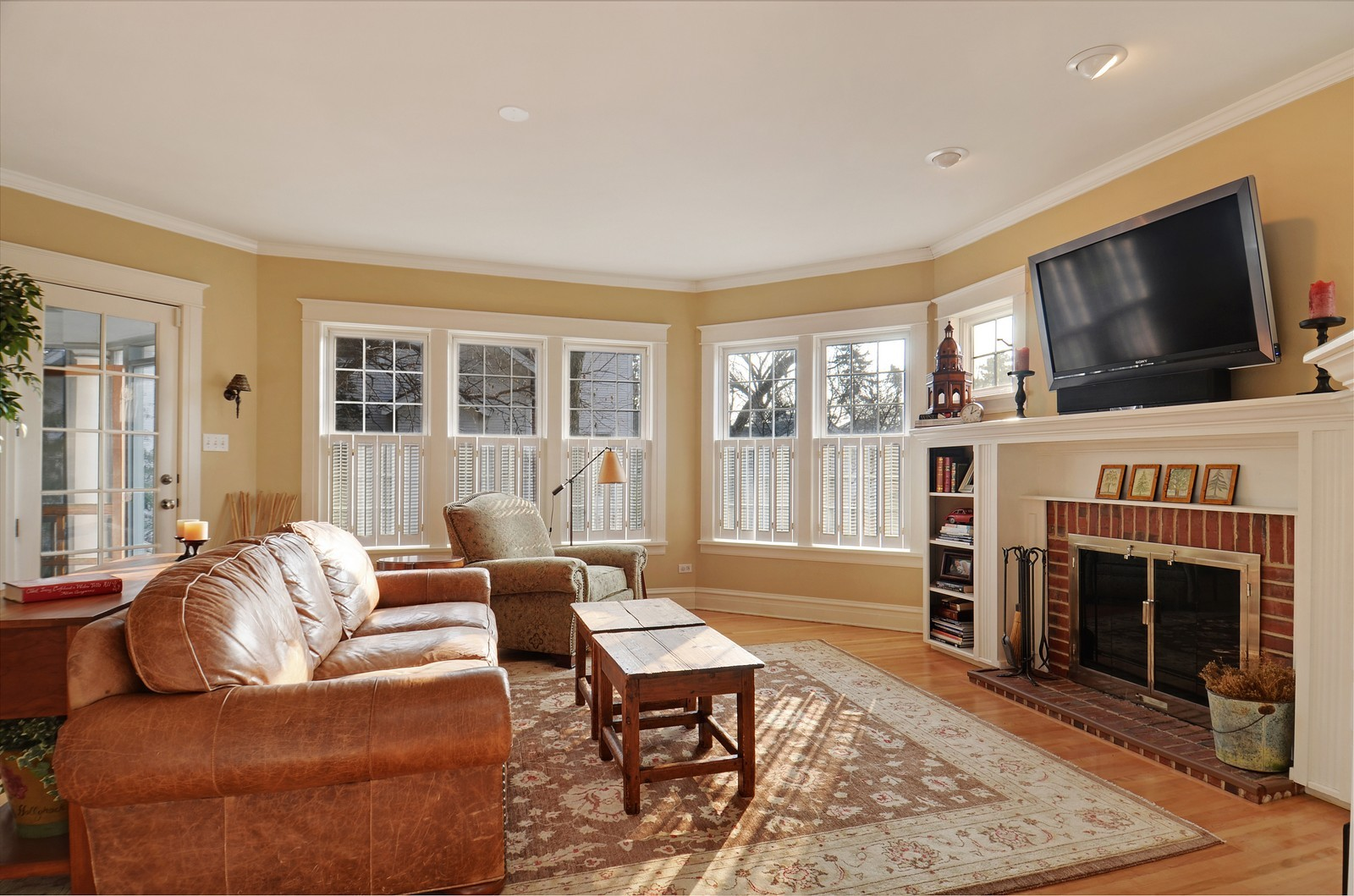 Real Estate Photography - 406 S Grant St, Hinsdale, IL, 60521 - Family Room