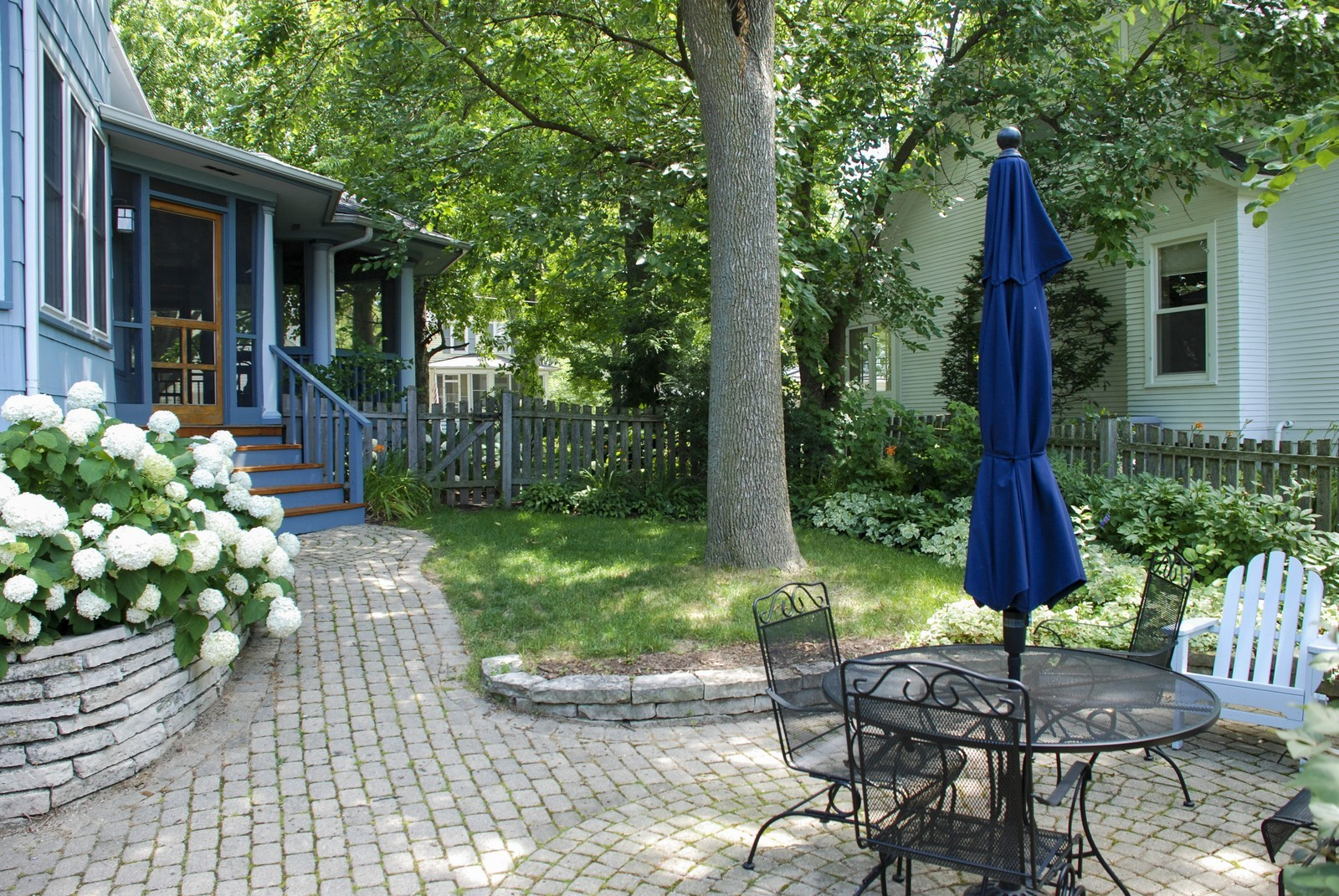 Real Estate Photography - 406 S Grant St, Hinsdale, IL, 60521 - Patio
