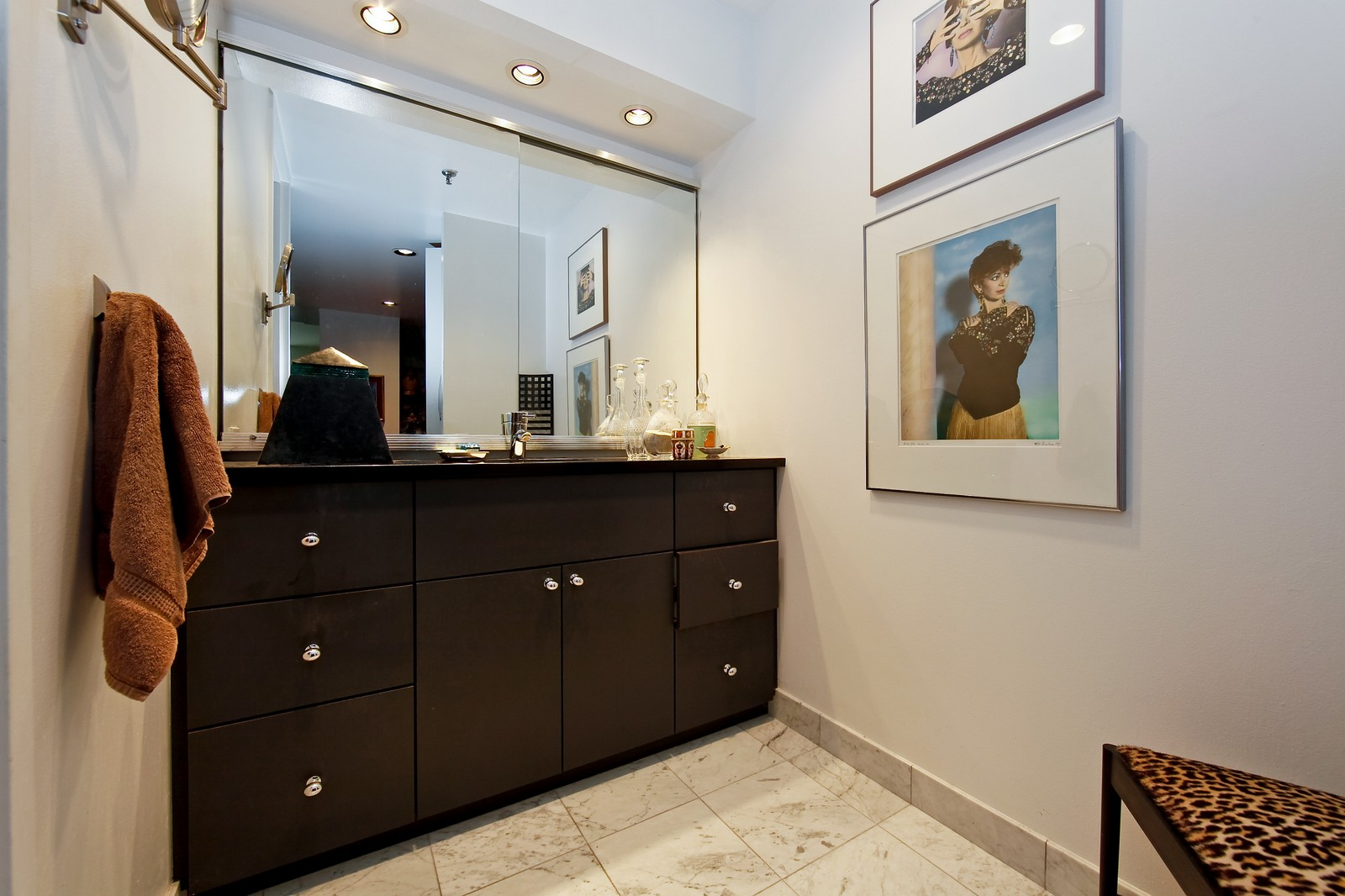 Real Estate Photography - 680 N Lake Shore Dr, Unit 811, Chicago, IL, 60610 - Master Bathroom
