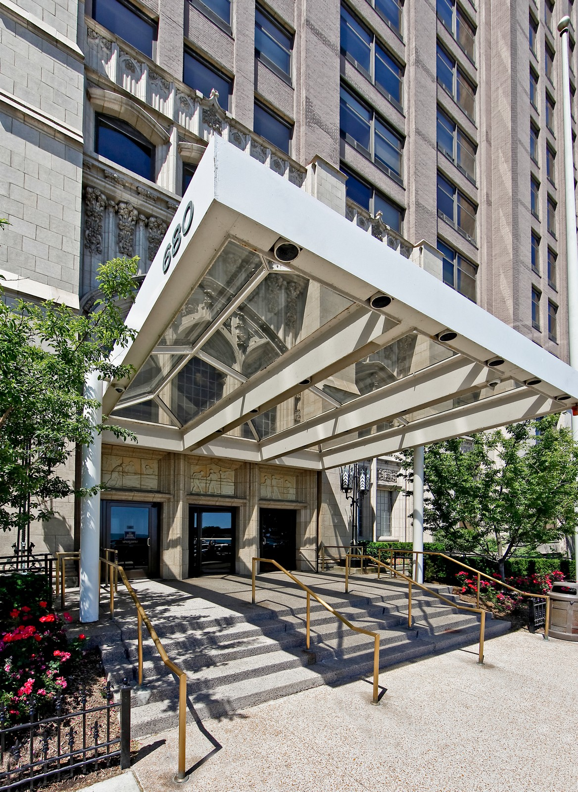 Real Estate Photography - 680 N Lake Shore Dr, Unit 811, Chicago, IL, 60610 - Front View