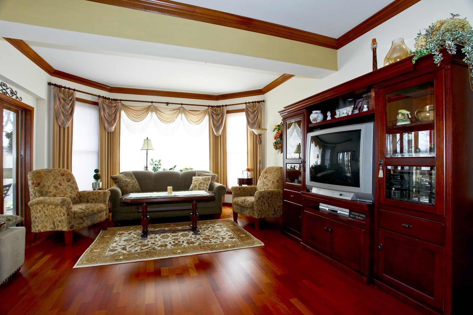 Real Estate Photography - 100 N River Ln, Geneva, IL, 60134 - Living Room
