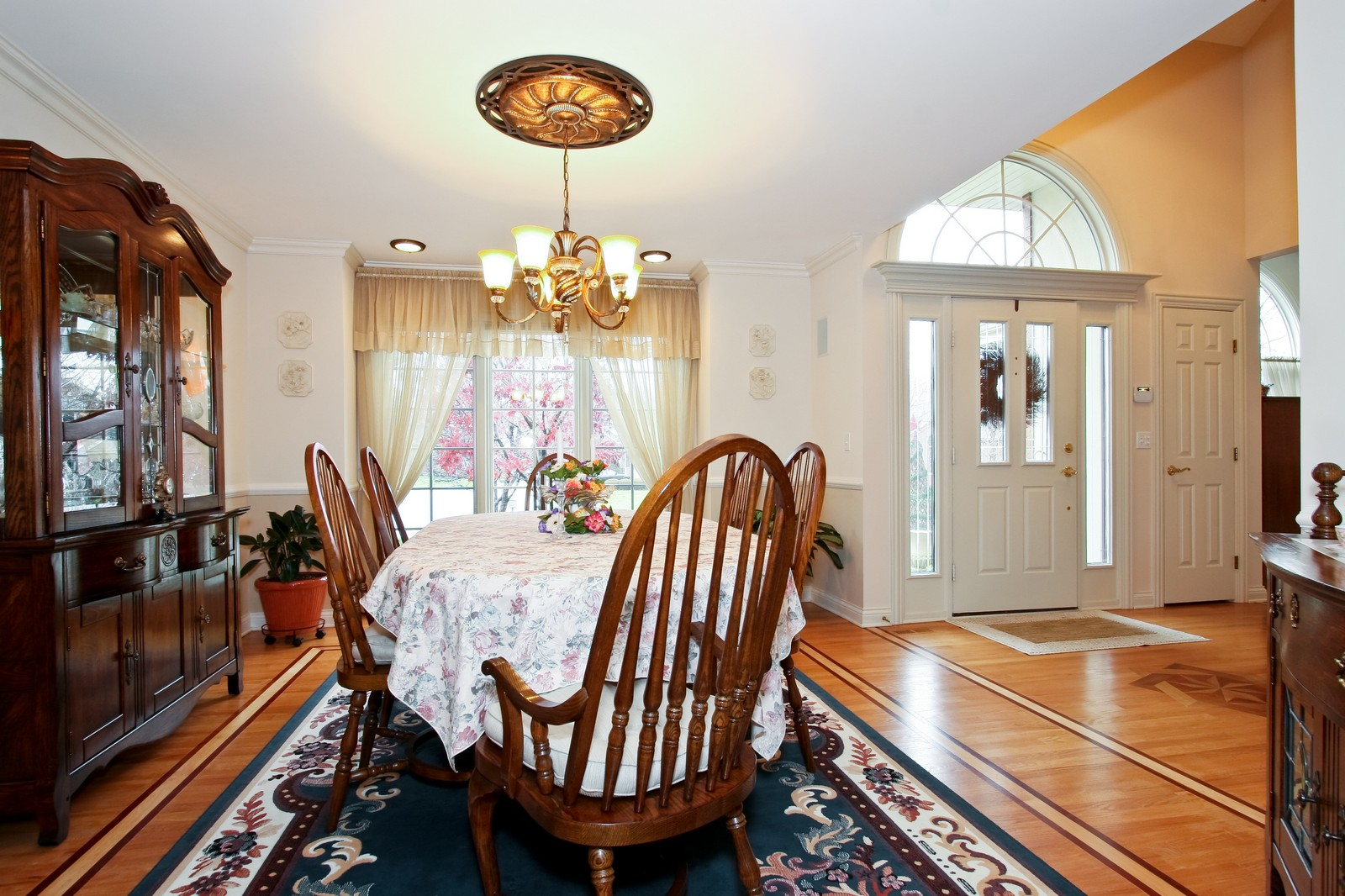 Real Estate Photography - 142 Augusta Drive, Palos Heights, IL, 60463 - Dining Room