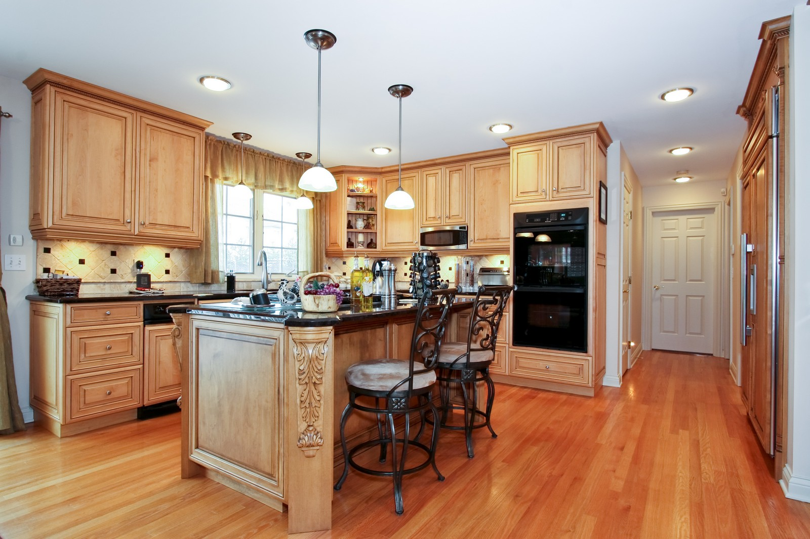 Real Estate Photography - 142 Augusta Drive, Palos Heights, IL, 60463 - Kitchen