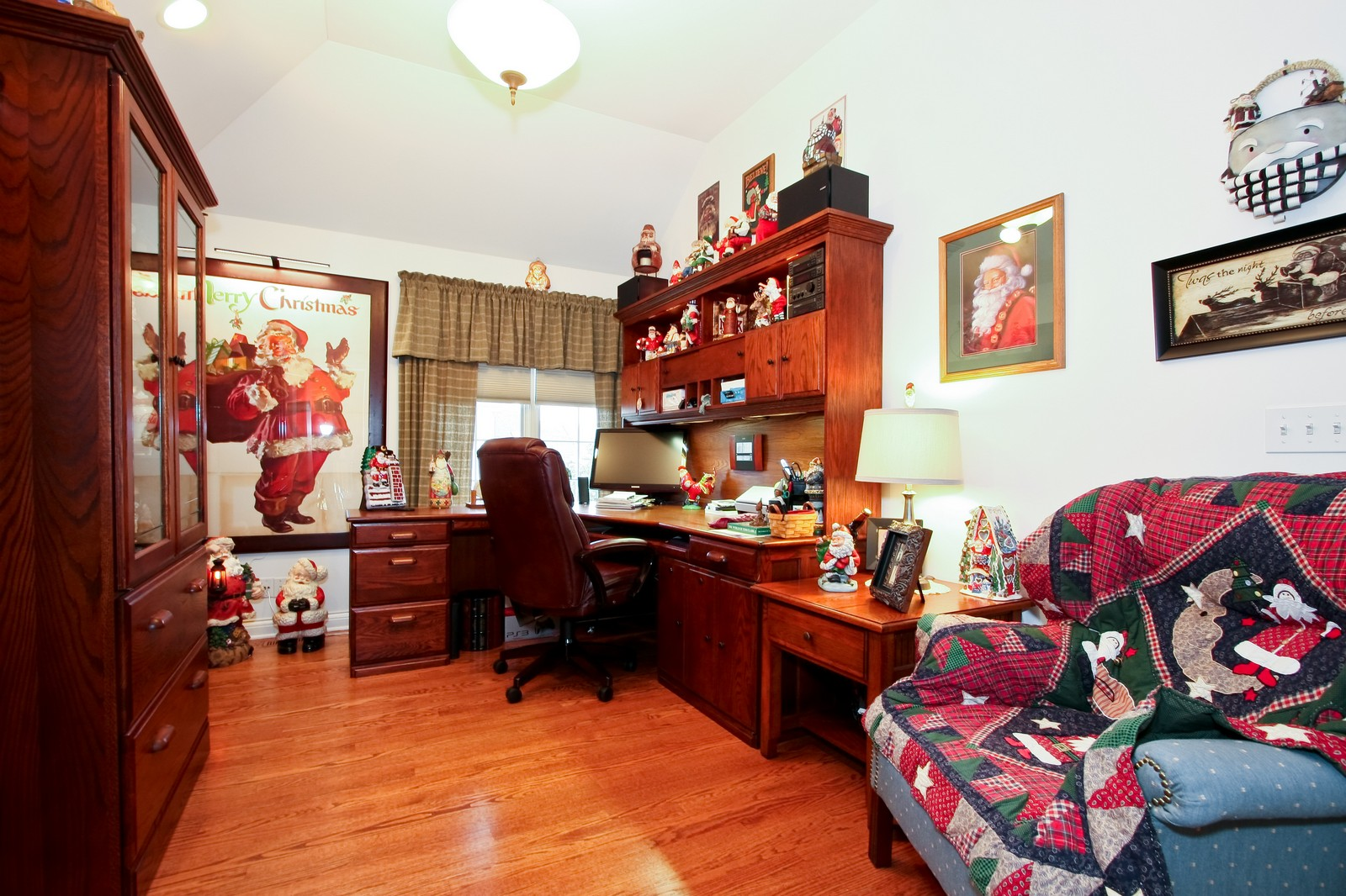 Real Estate Photography - 142 Augusta Drive, Palos Heights, IL, 60463 - Office