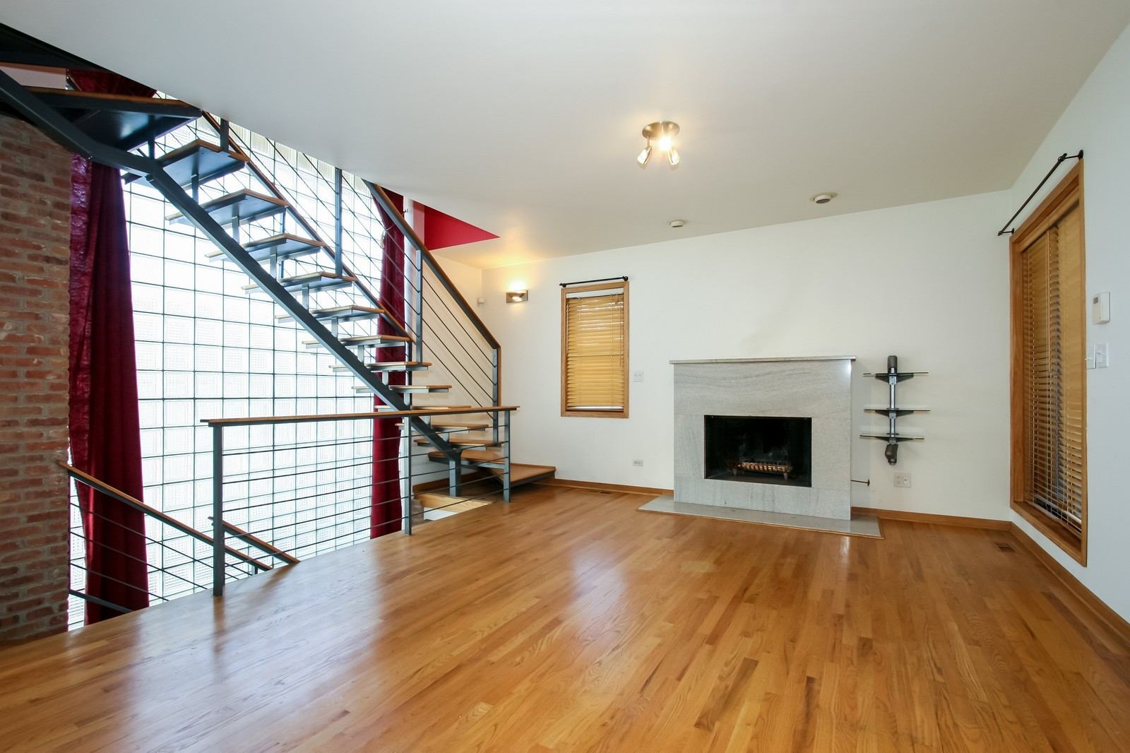 Real Estate Photography - 1020 N Mozart, Unit 4R, Chicago, IL, 60605 - Living Room
