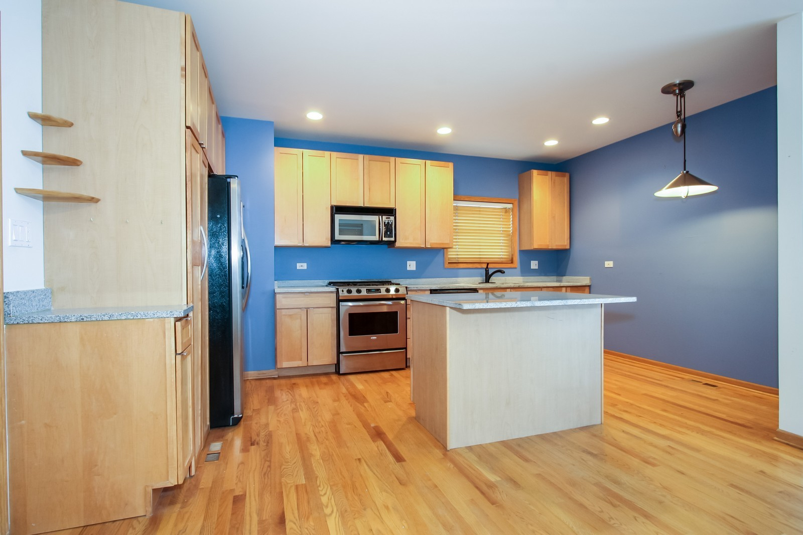Real Estate Photography - 1020 N Mozart, Unit 4R, Chicago, IL, 60605 - Kitchen