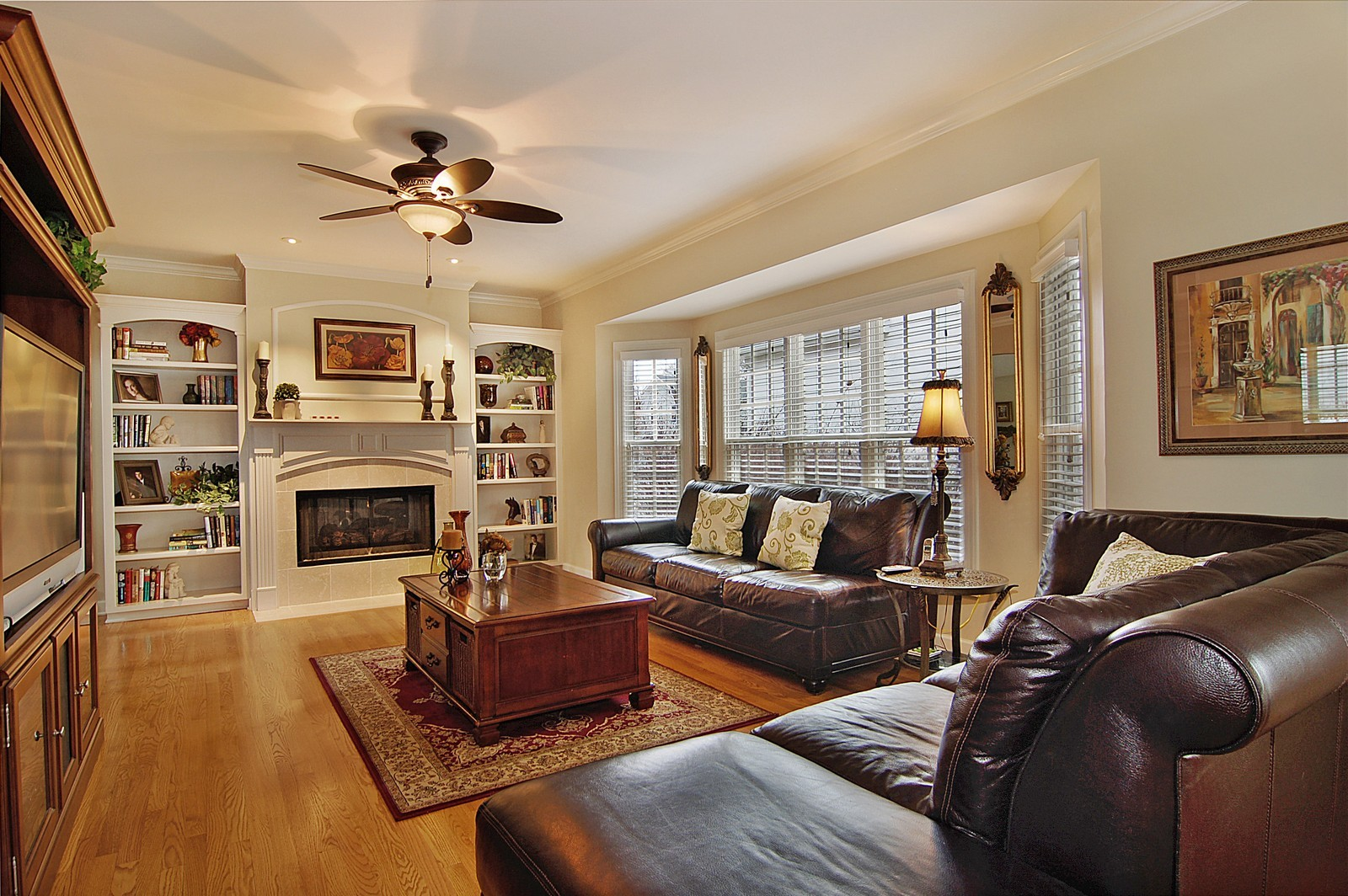 Real Estate Photography - 203 E. Lincoln, Wheaton, IL, 60187 - Family Room