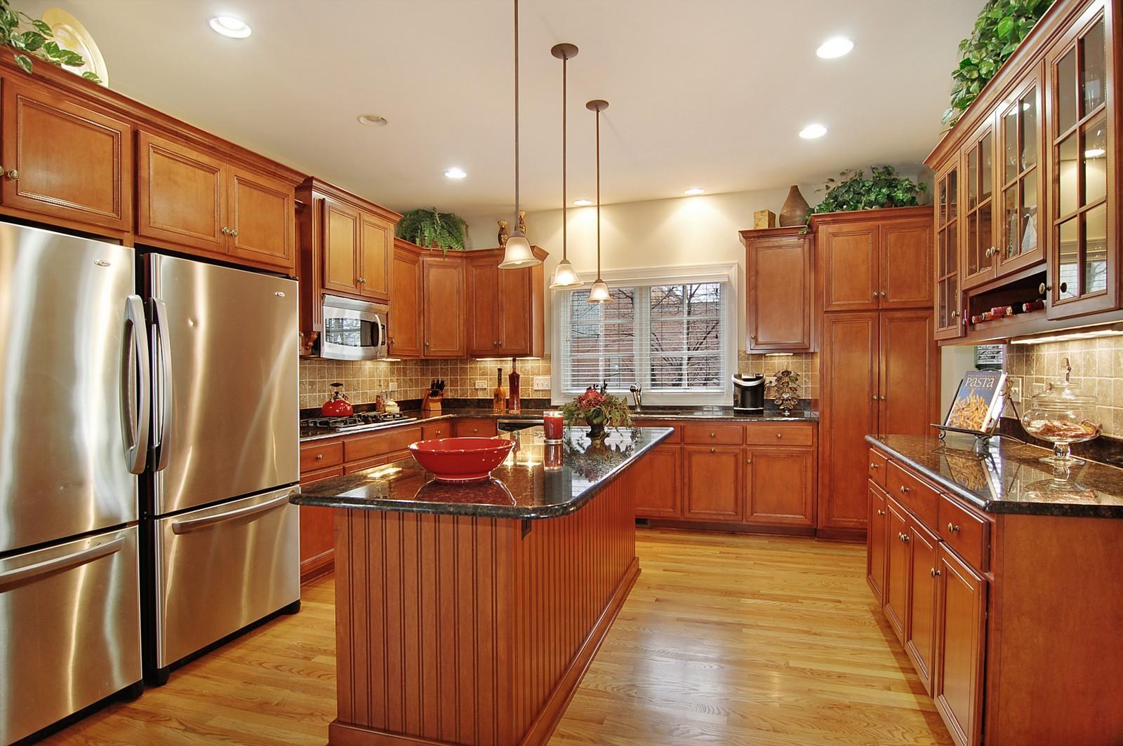 Real Estate Photography - 203 E. Lincoln, Wheaton, IL, 60187 - Kitchen