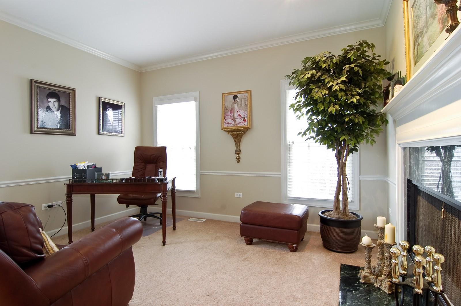 Real Estate Photography - 203 E. Lincoln, Wheaton, IL, 60187 - Office