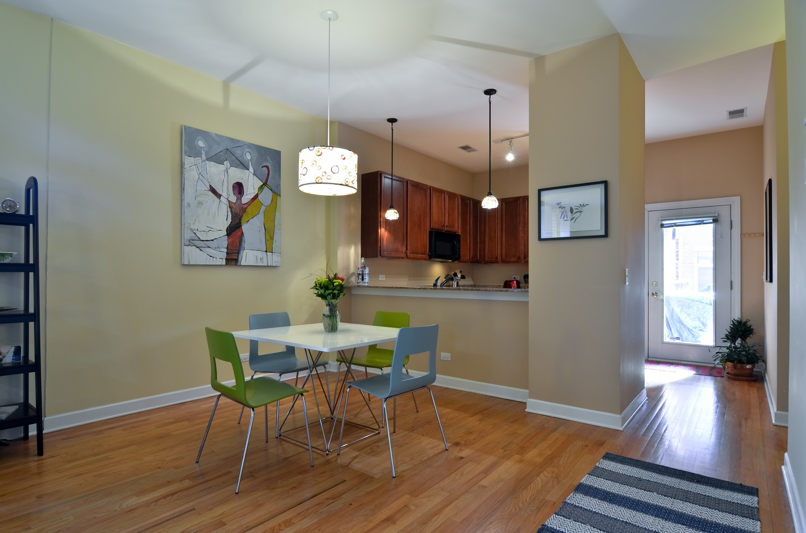Real Estate Photography - 1942 S Prairie St, #2, Chicago, IL, 60616 - Kitchen / Dining Room