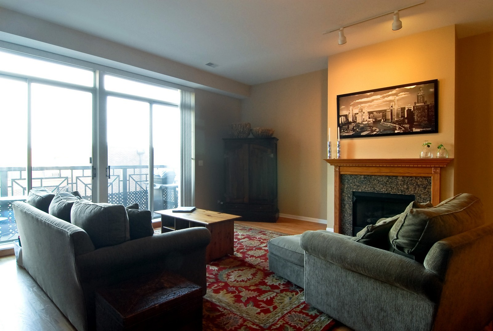 Real Estate Photography - 1350 W Fullerton, Unit 411, Chicago, IL, 60614 - Living Room