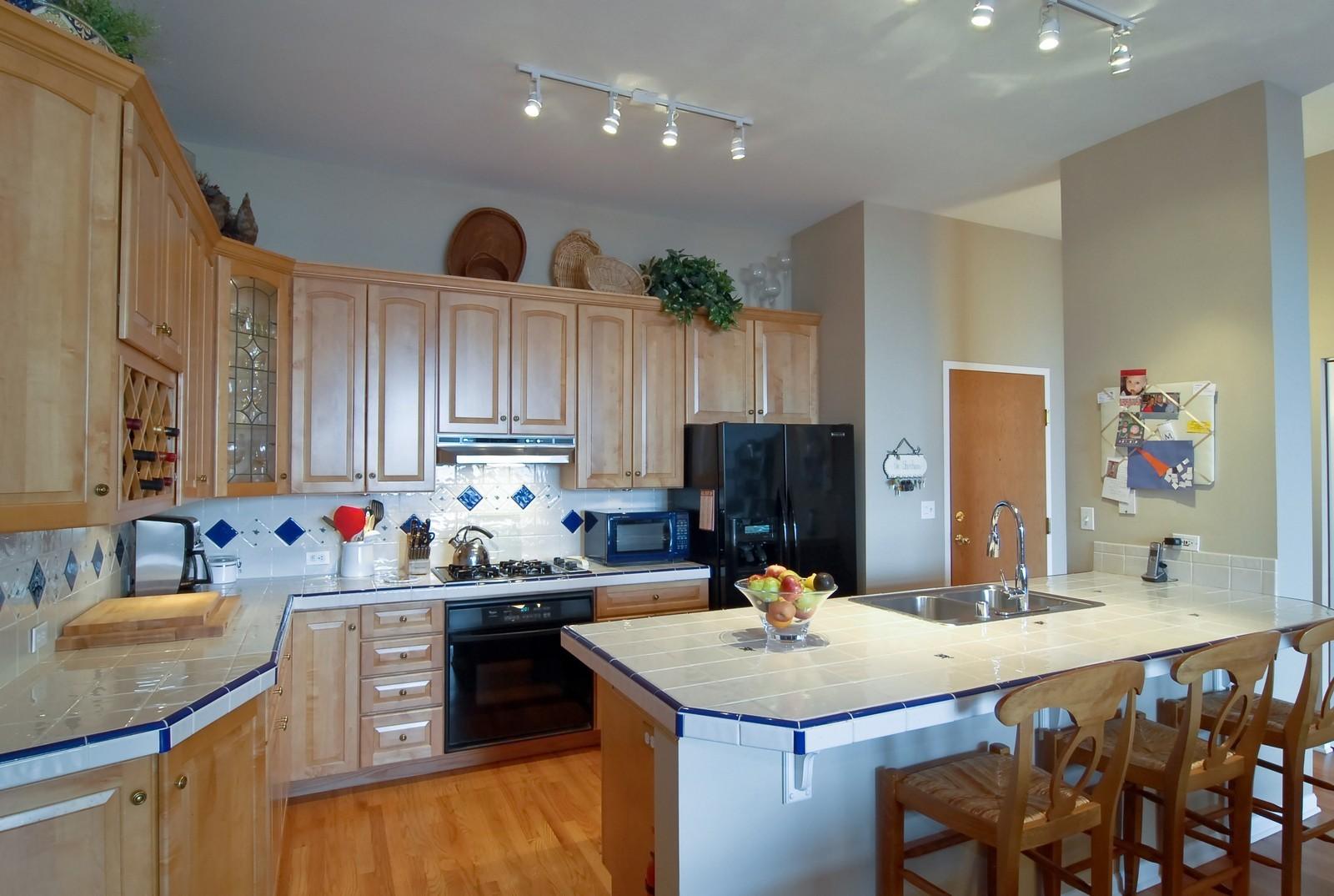 Real Estate Photography - 1350 W Fullerton, Unit 411, Chicago, IL, 60614 - Kitchen