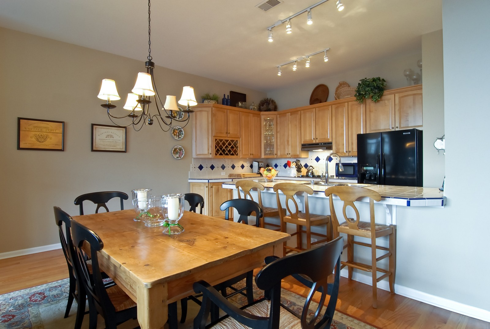 Real Estate Photography - 1350 W Fullerton, Unit 411, Chicago, IL, 60614 - Kitchen / Dining Room