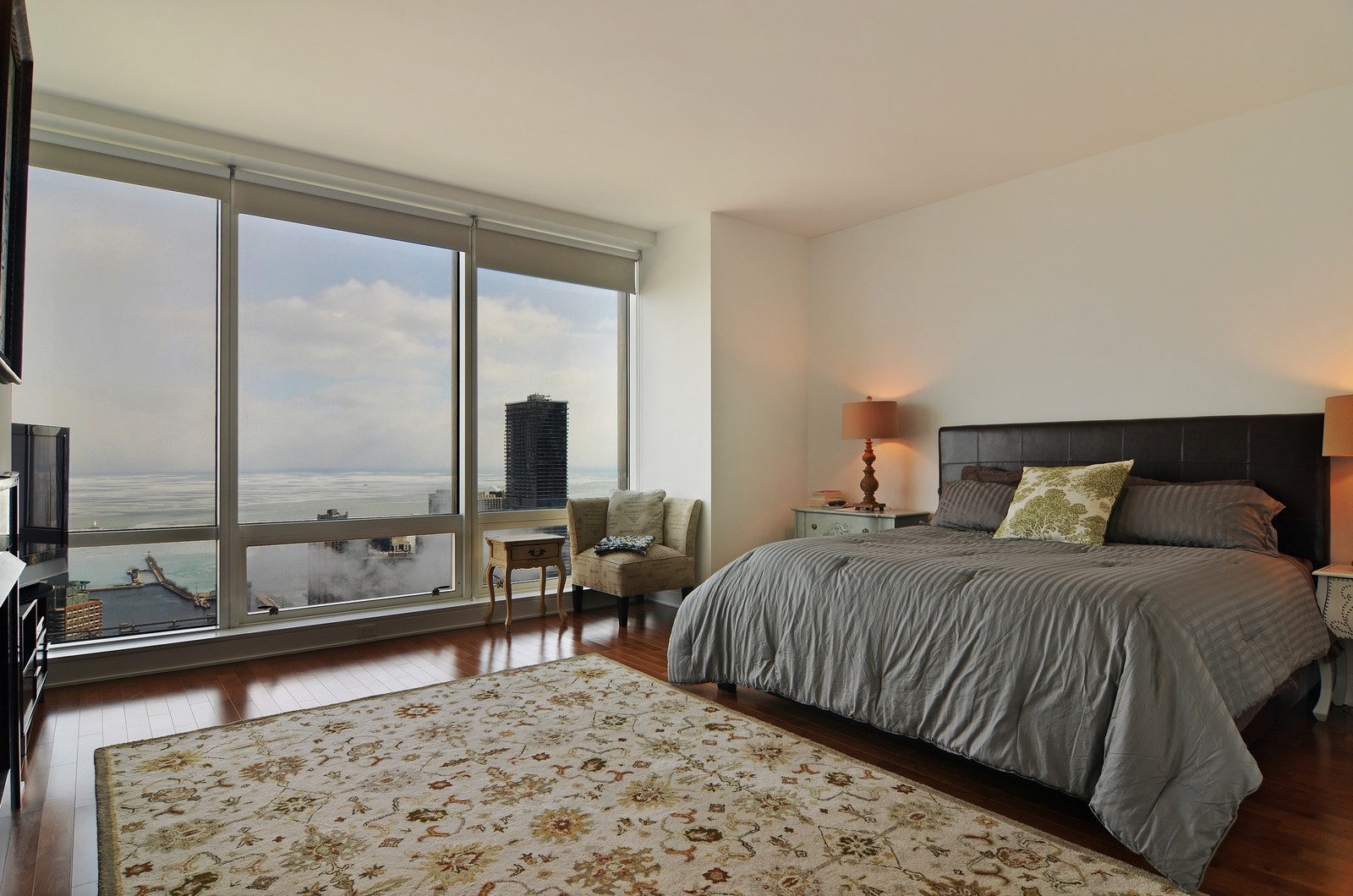 Real Estate Photography - 401 N Wabash, Unit 52a, Chicago, IL, 60611 - Master Bedroom