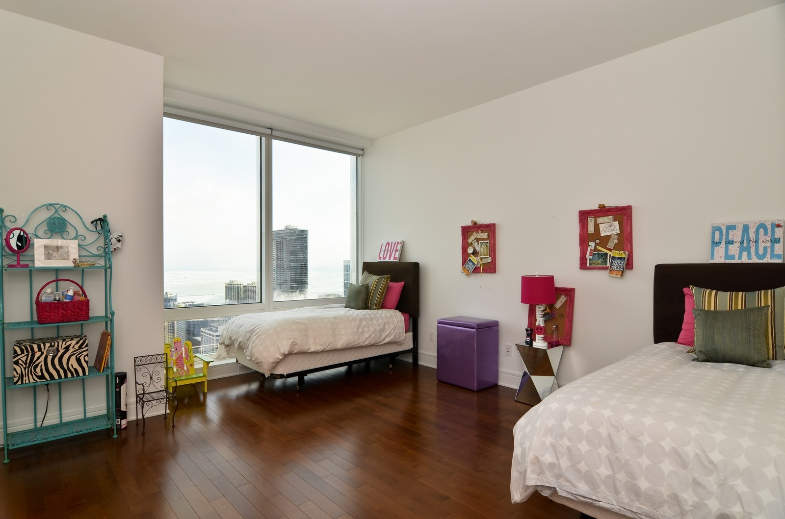 Real Estate Photography - 401 N Wabash, Unit 52a, Chicago, IL, 60611 - 2nd Bedroom