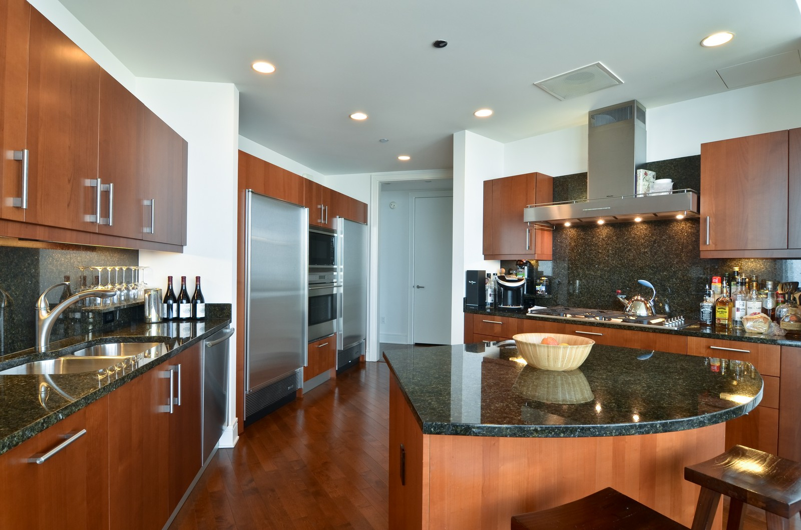 Real Estate Photography - 401 N Wabash, Unit 52a, Chicago, IL, 60611 - Kitchen