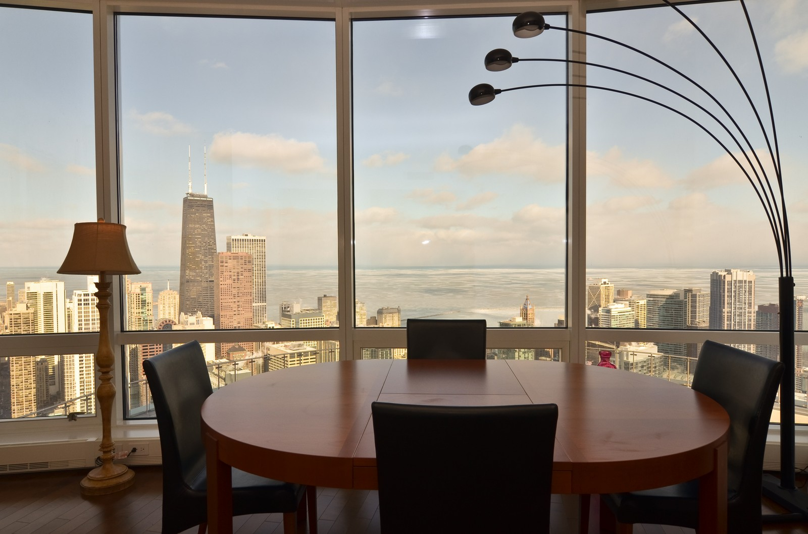 Real Estate Photography - 401 N Wabash, Unit 52a, Chicago, IL, 60611 - Dining Area