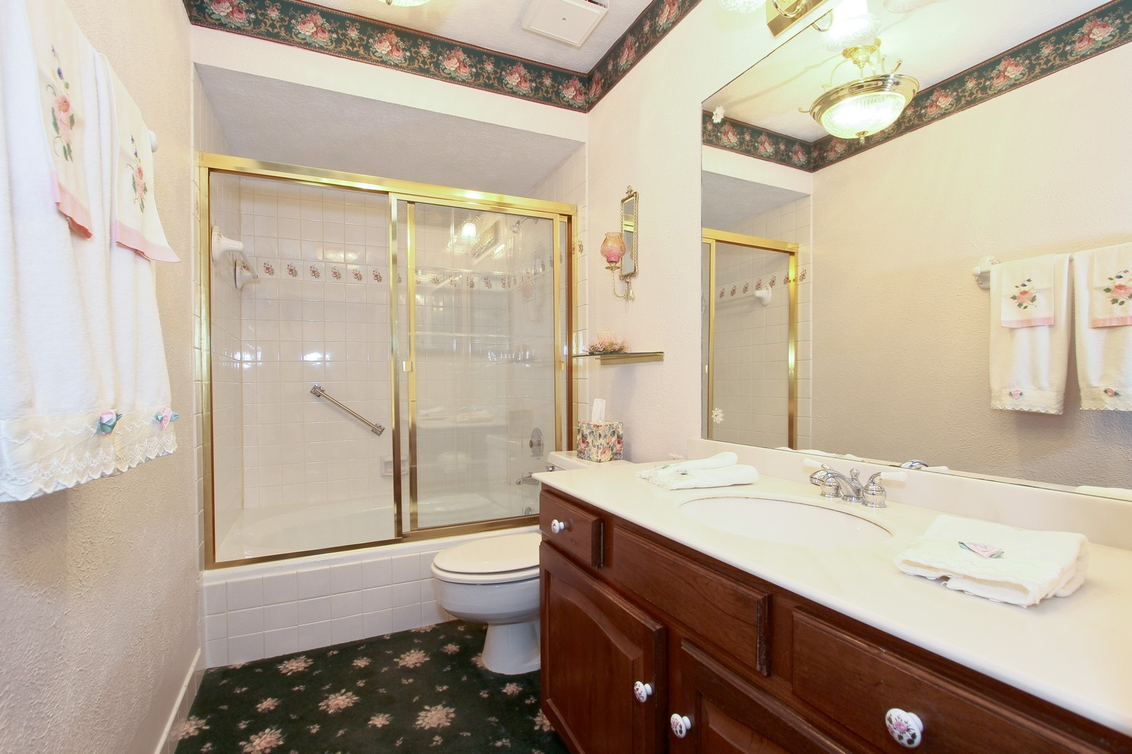 Real Estate Photography - 7713 Golf, Unit 2B, Palos Heights, IL, 60463 - Bathroom