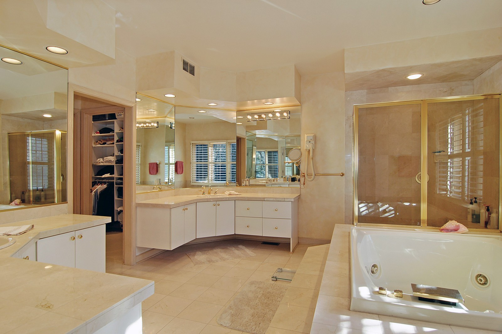 Real Estate Photography - 656 E 6th St, Hinsdale, IL, 60521 - Master Bathroom