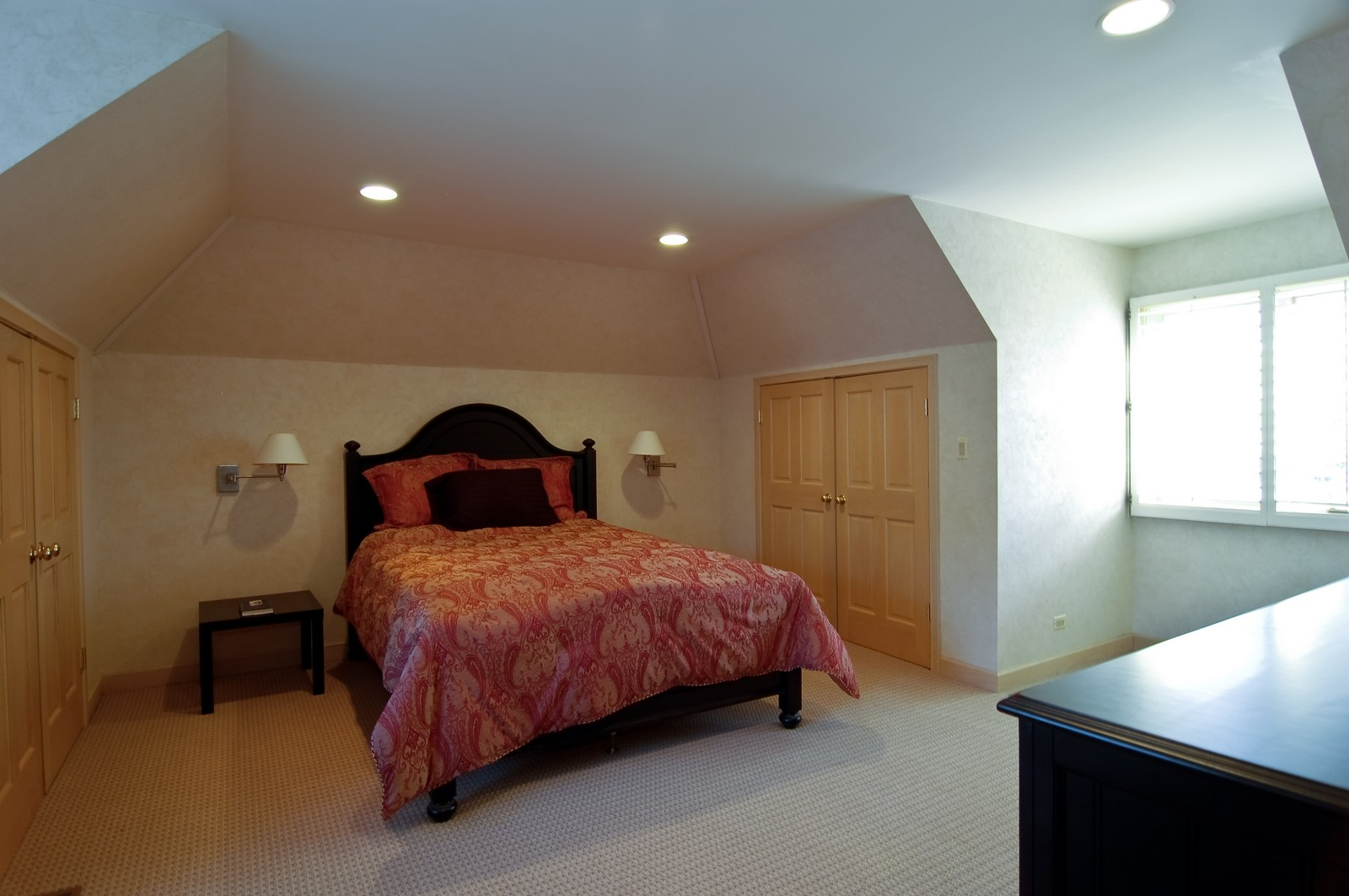 Real Estate Photography - 656 E 6th St, Hinsdale, IL, 60521 - Guest Bedroom