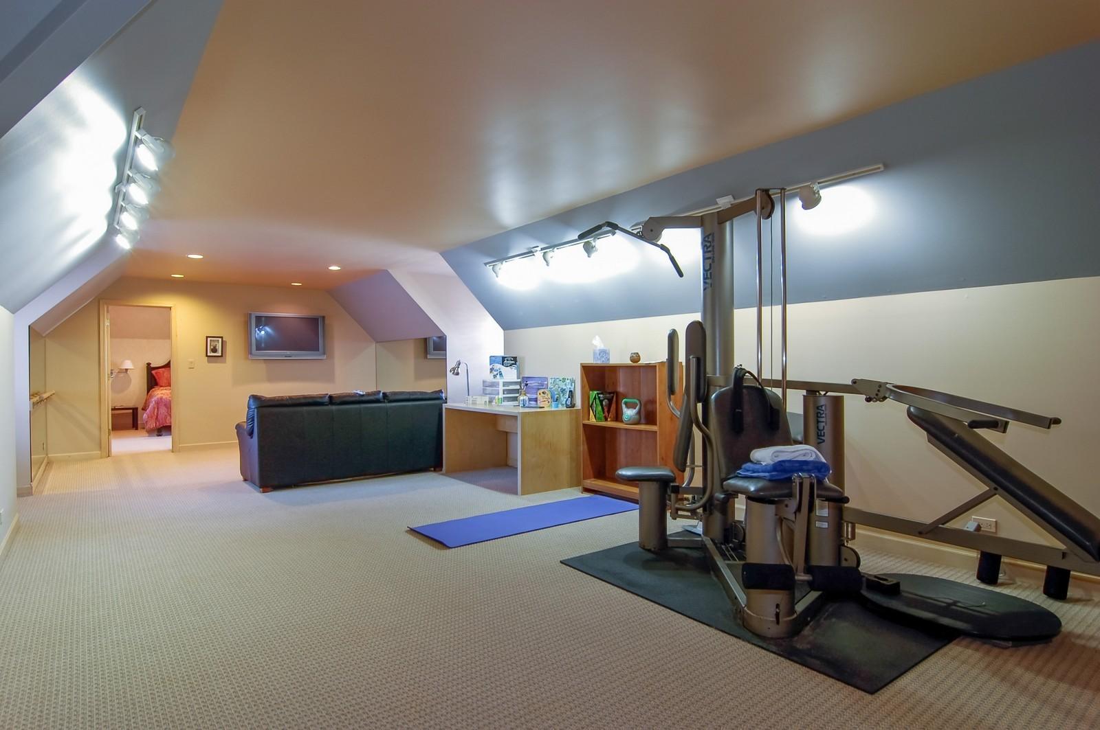 Real Estate Photography - 656 E 6th St, Hinsdale, IL, 60521 - Bonus Room