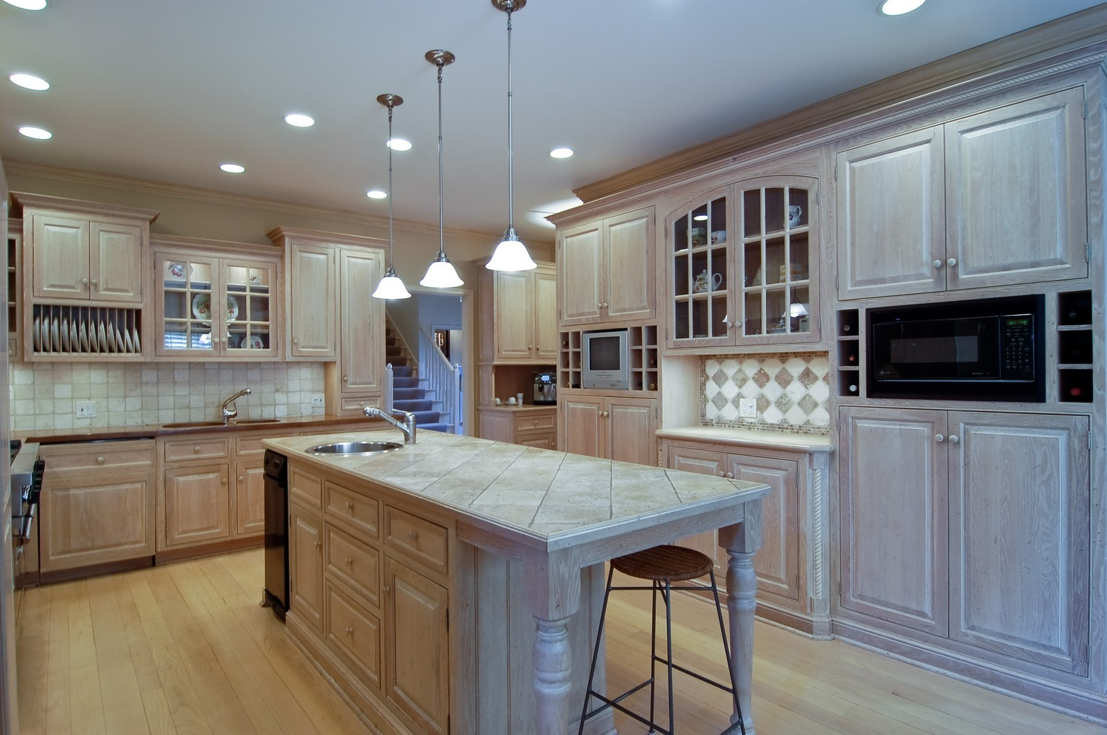 Real Estate Photography - 656 E 6th St, Hinsdale, IL, 60521 - Kitchen / Breakfast Room
