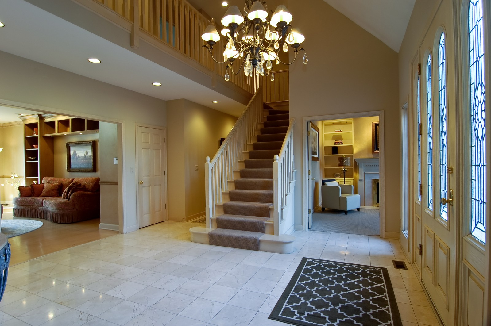Real Estate Photography - 656 E 6th St, Hinsdale, IL, 60521 - Foyer