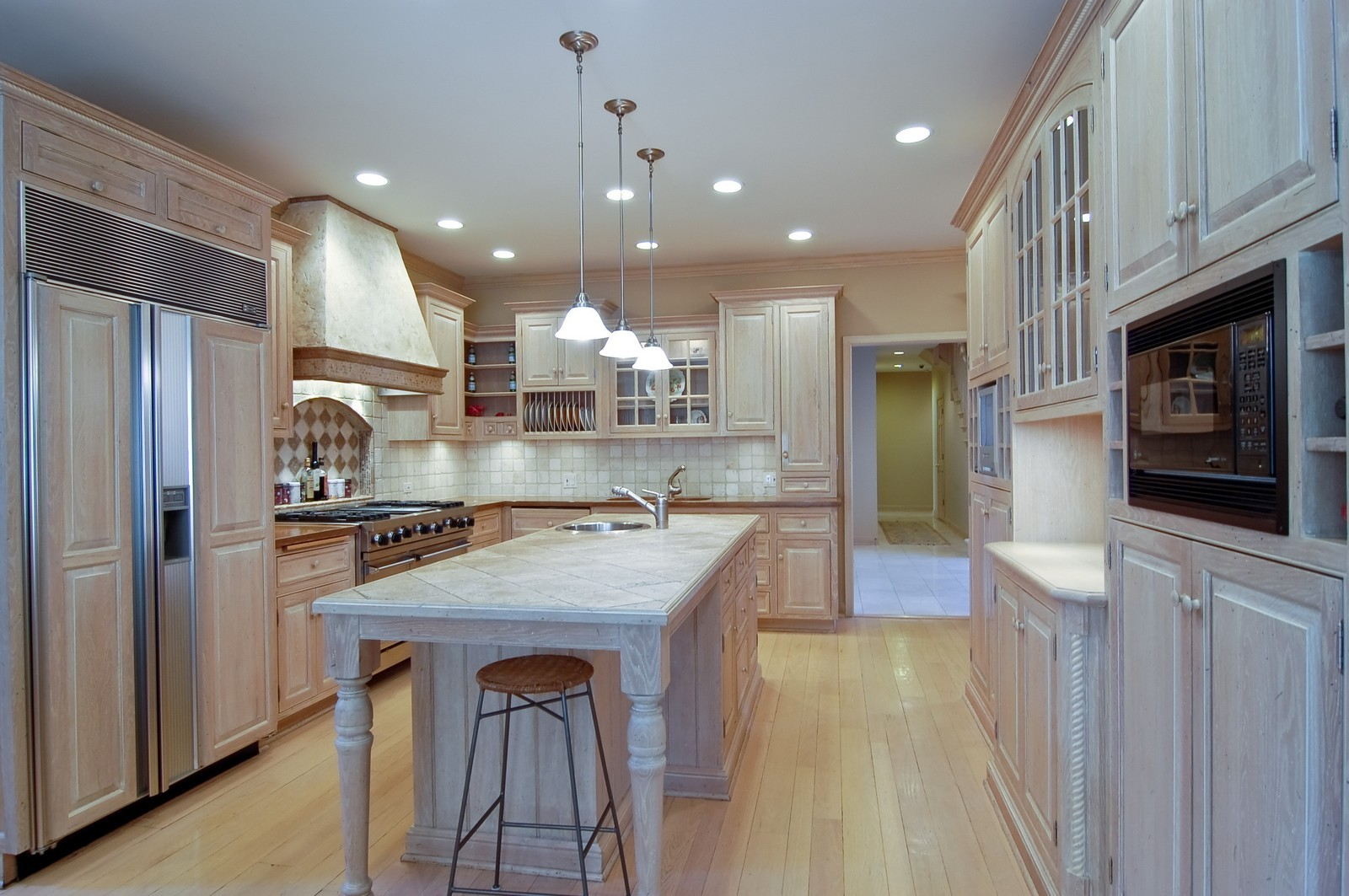 Real Estate Photography - 656 E 6th St, Hinsdale, IL, 60521 - Kitchen