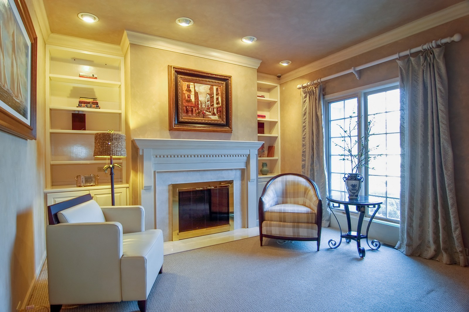 Real Estate Photography - 656 E 6th St, Hinsdale, IL, 60521 - Library