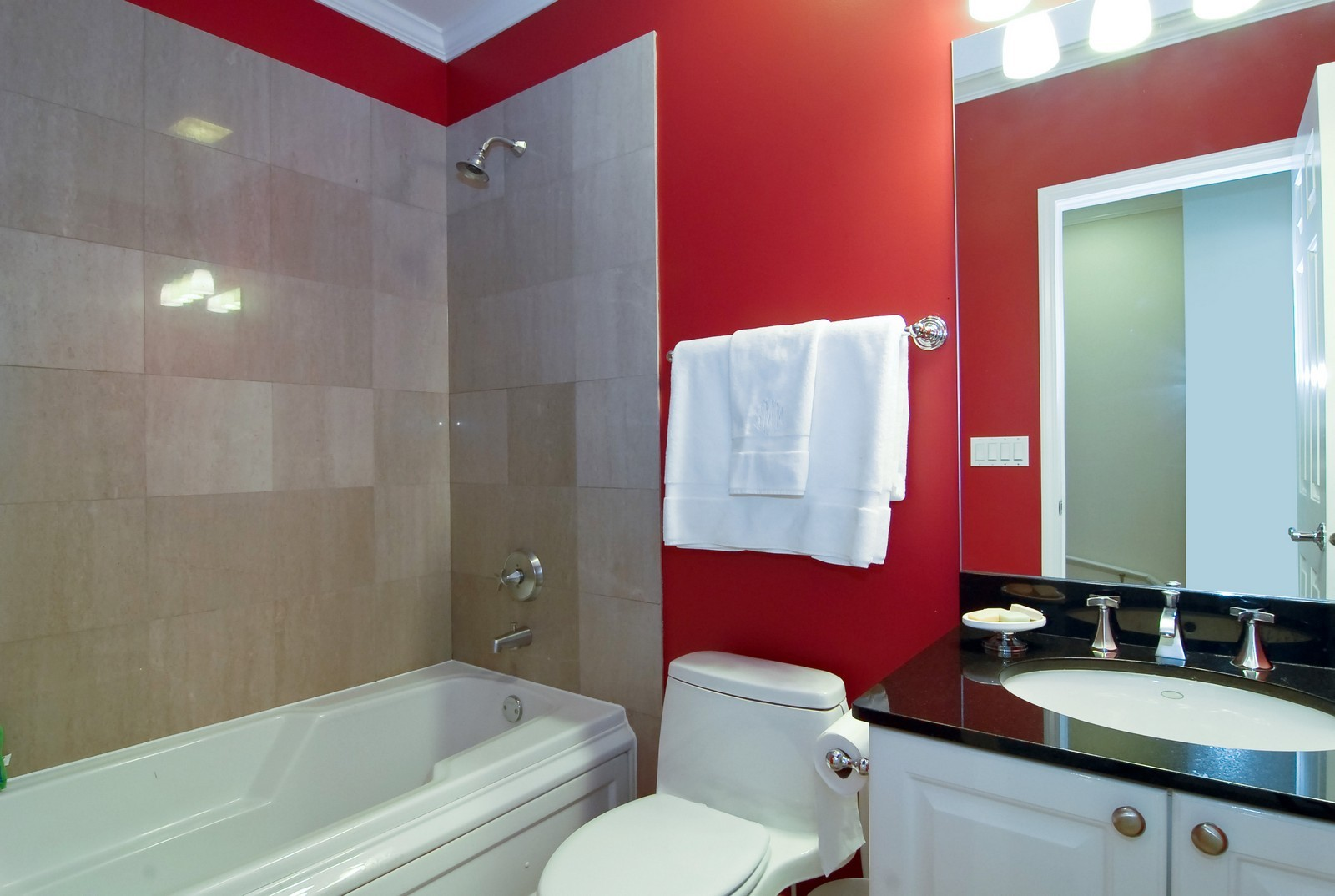 Real Estate Photography - 1815 N Shefield, Unit A, Chicago, IL, 60614 - Bathroom