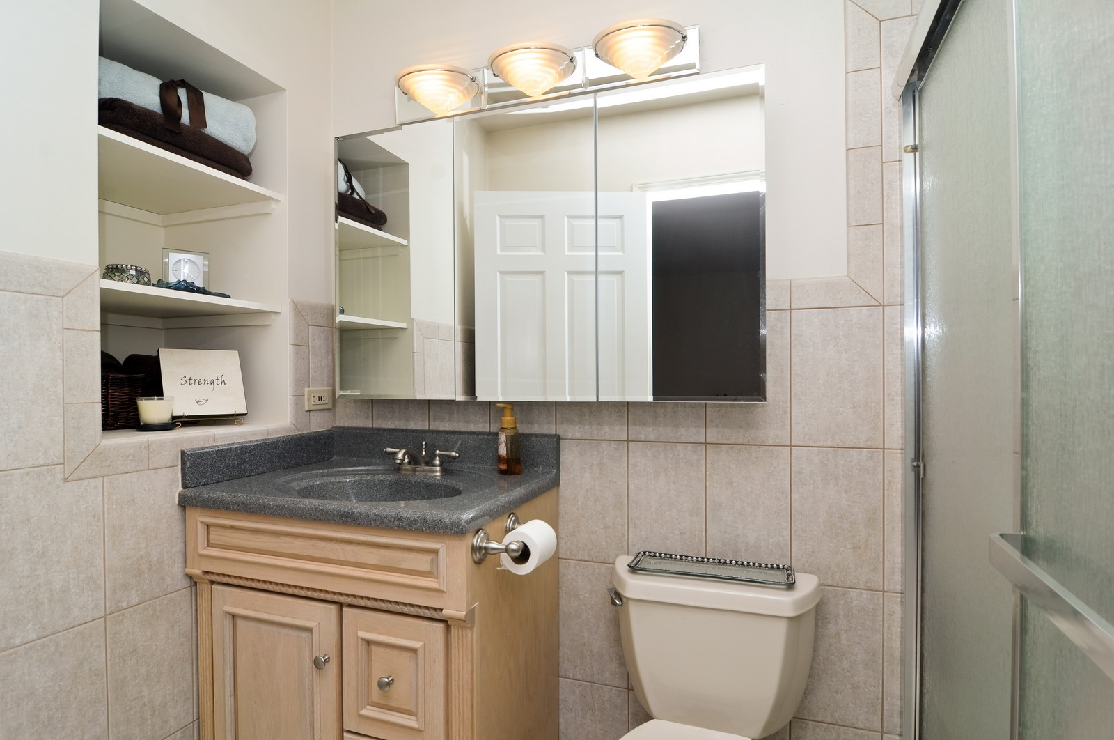 Real Estate Photography - 1416 Oxford Dr, Buffalo Grove, IL, 60089 - Master Bathroom