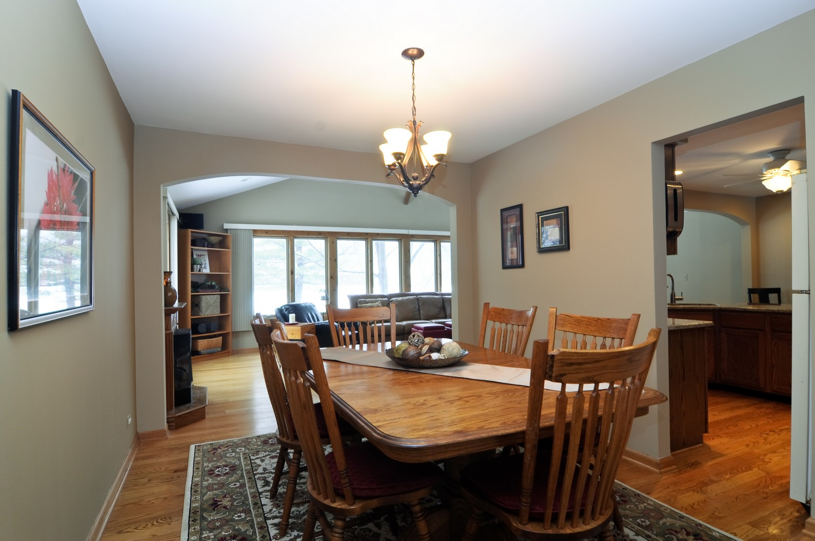 Real Estate Photography - 1416 Oxford Dr, Buffalo Grove, IL, 60089 - Dining Room